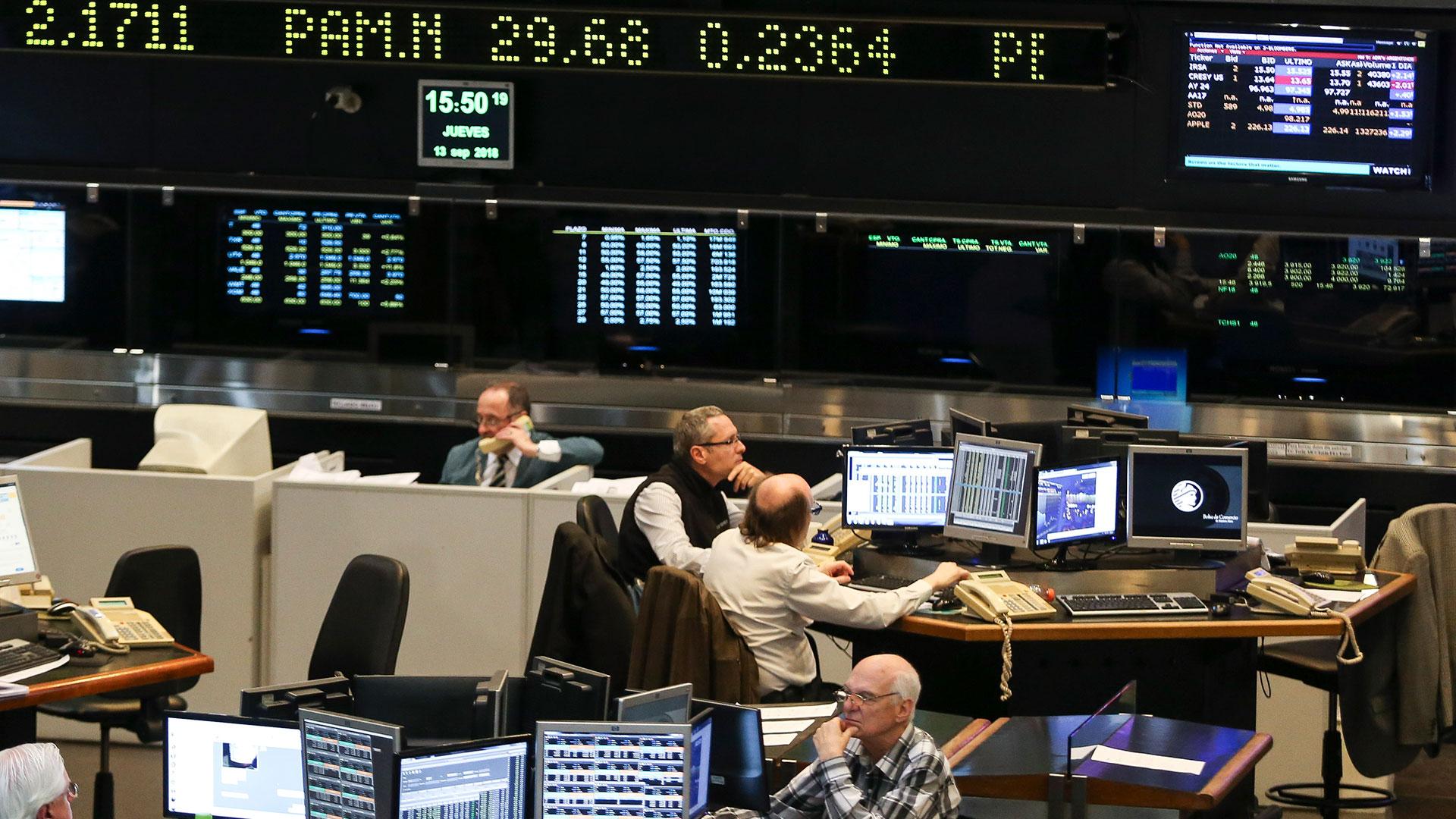 Medido en dólares, el S&P Merval acumula una pérdida de 5% 2019. (NA)