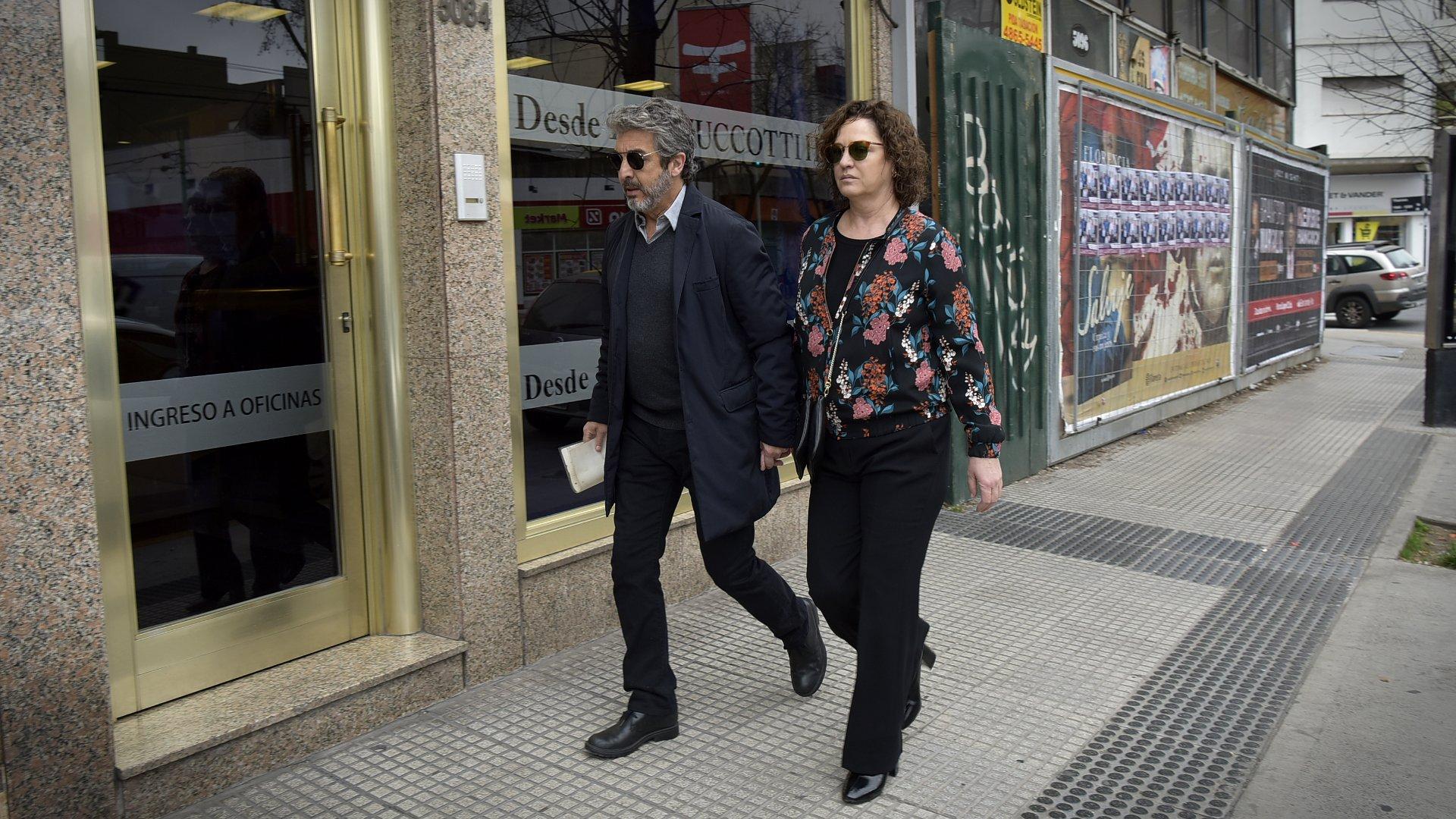 Ricardo Darín y Florencia Bas llegaron esta mañana a la Casa Zucotti, donde velaron a su mamá, Reneé (Gustavo Gavotti y Maximiliano Luna / Teleshow)