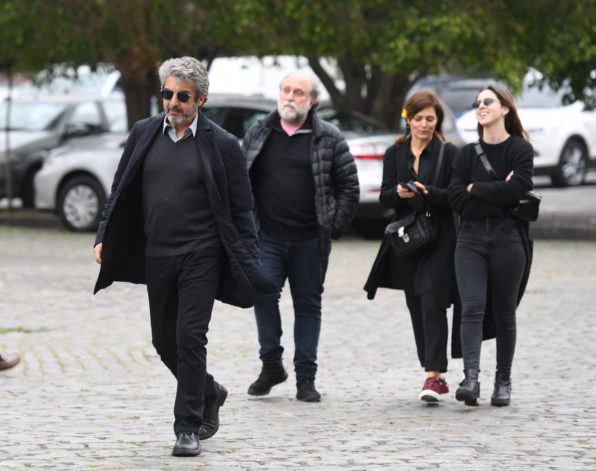 Ricardo Darín, acompañado por su hija Clara, Andrea Pietra y Daniel Grinbank