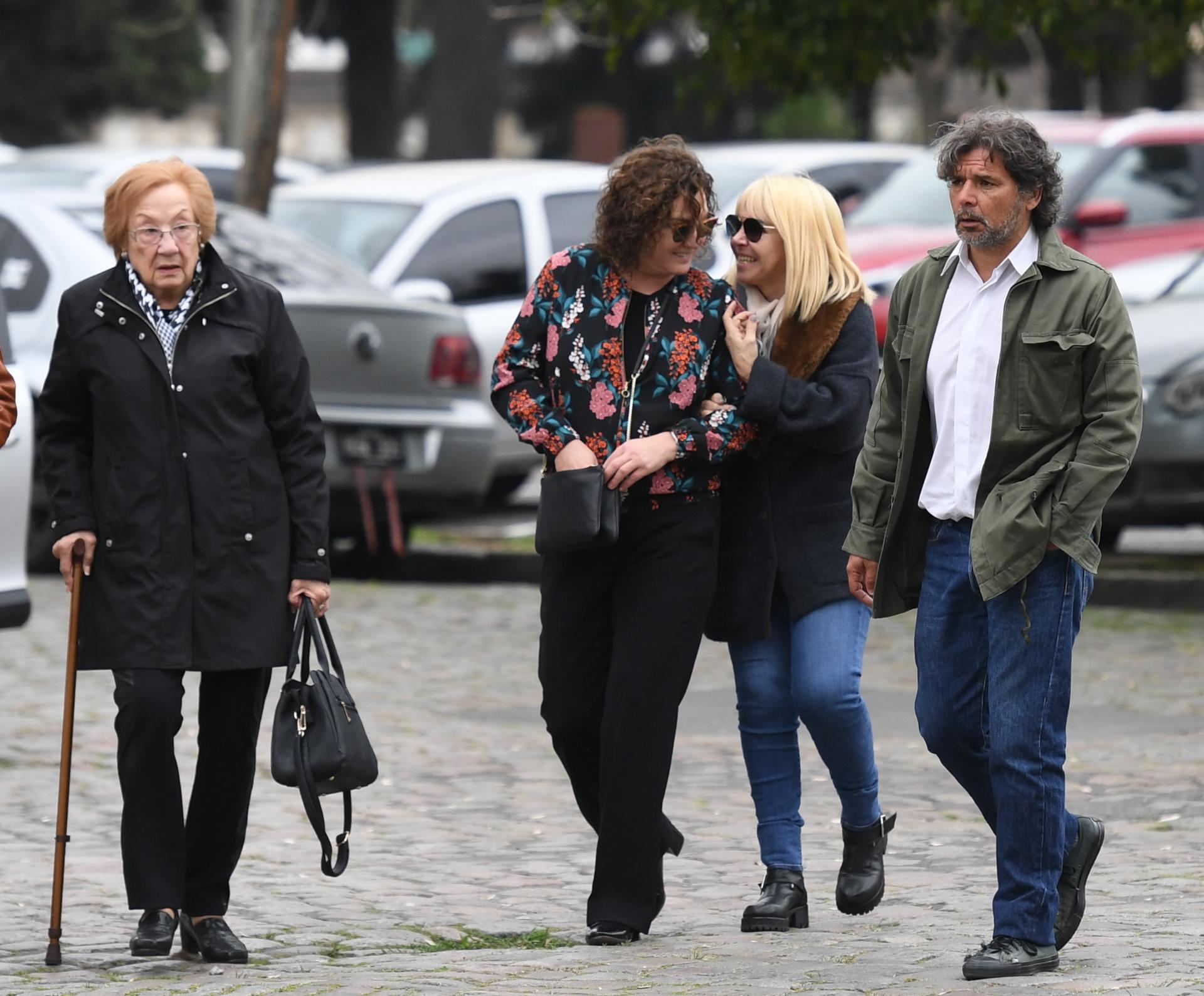 Florencia Bas, Claudia Villafañe y Pepe Monje