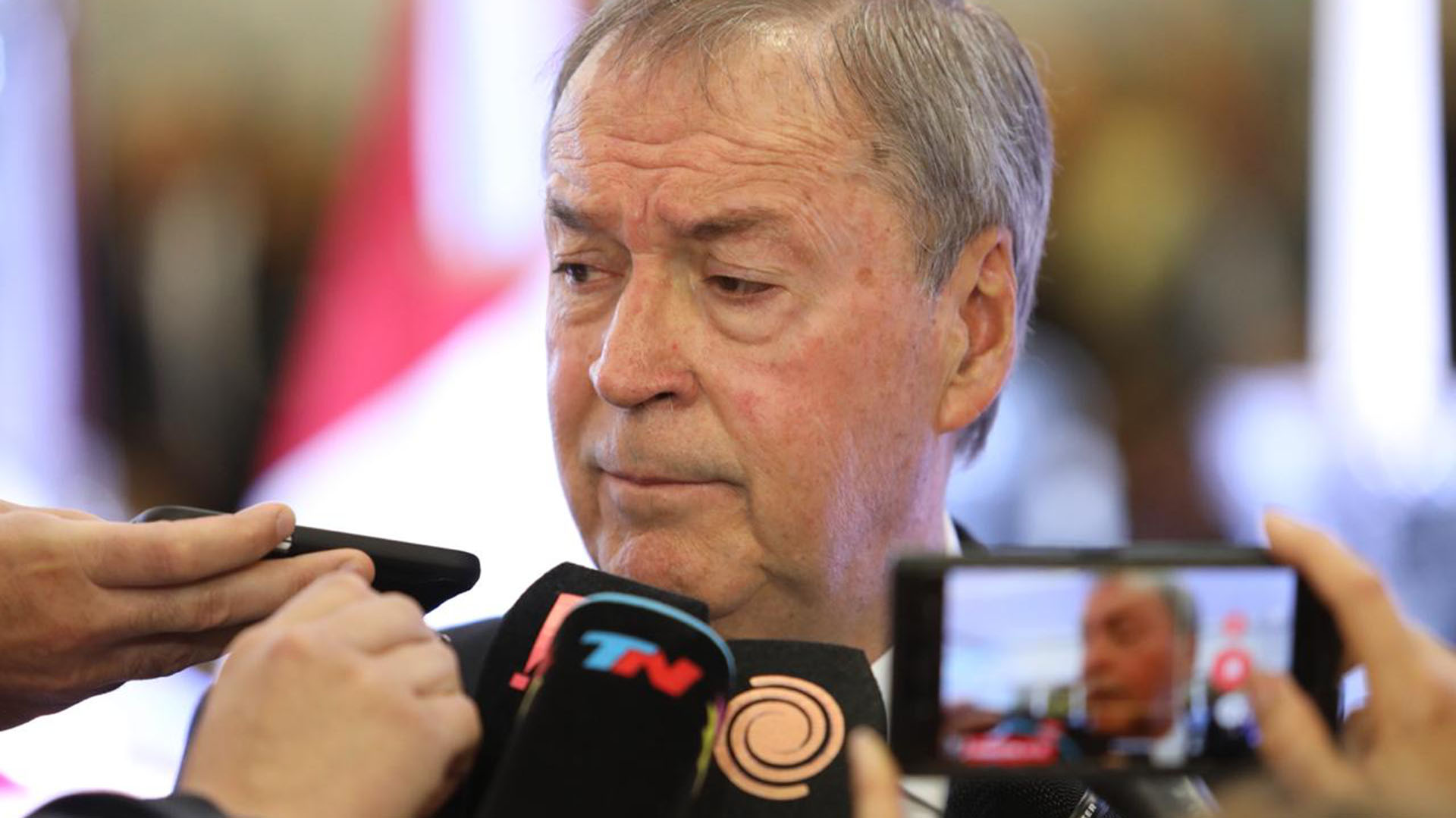 El actual gobernador cordobés, Juan Schiaretti, se mostró muy angustiado durante el velorio