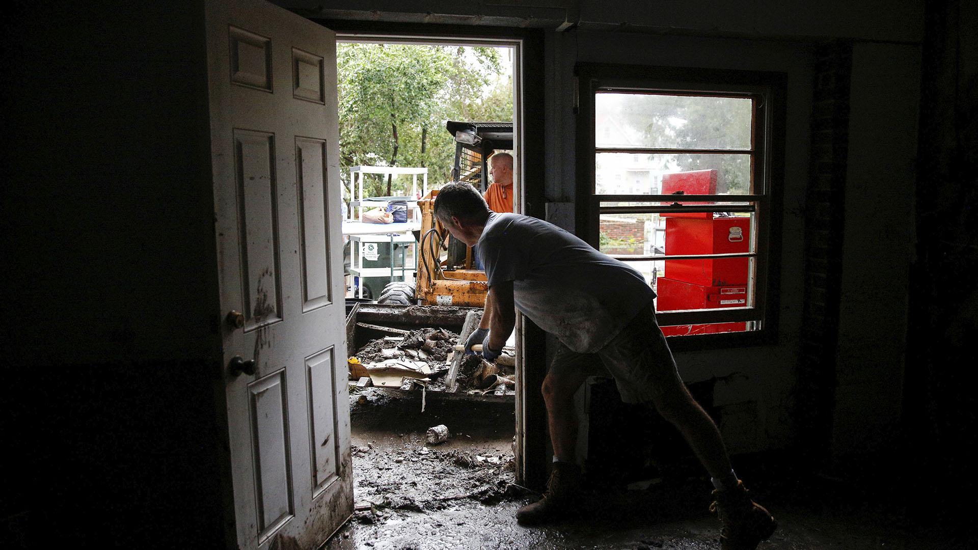 Tras el paso de Florence, la gente de Carolina del Norte de a poco vuelve a sus hogares (Reuters)