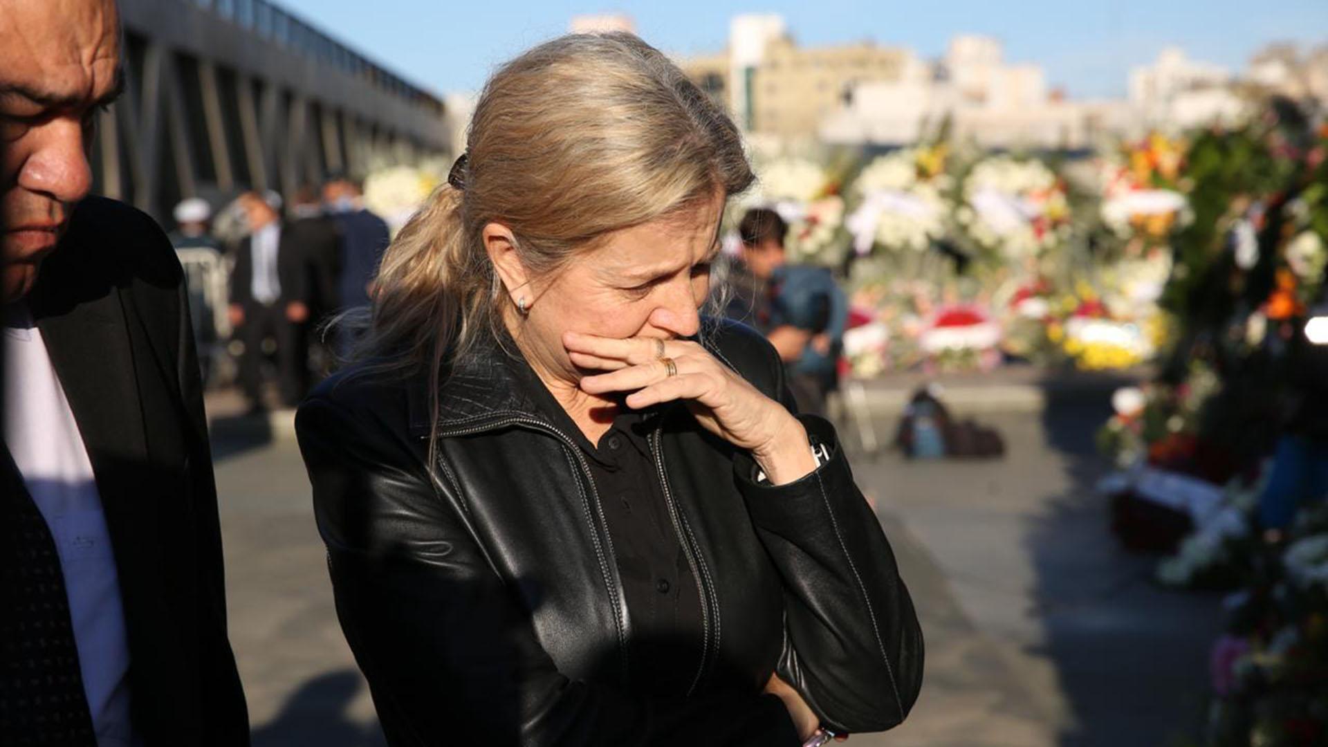 """""""Fue mi marido, mi maestro, mi mentor, mi todo"""", dijo Nazario ante la prensa durante el sepelio"""