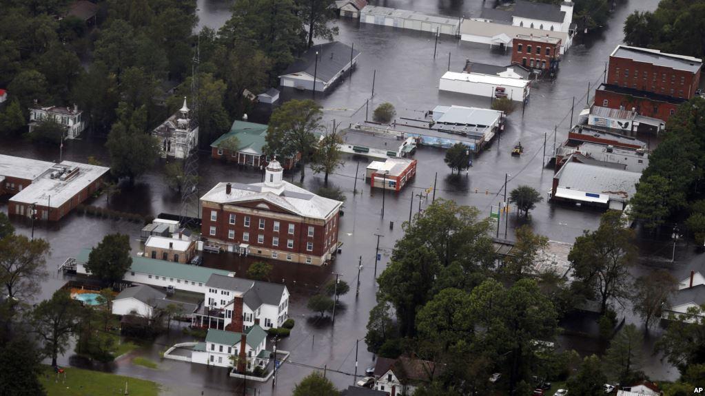 Las aguas de la lluvia causada por el huracán Florence inundaron la ciudad de Trenton, Carolina del Norte, el 16 de septiembre