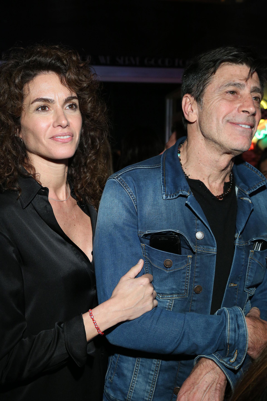 Nicolás Repetto y Florencia Raggi viendo el show de su hija Renata