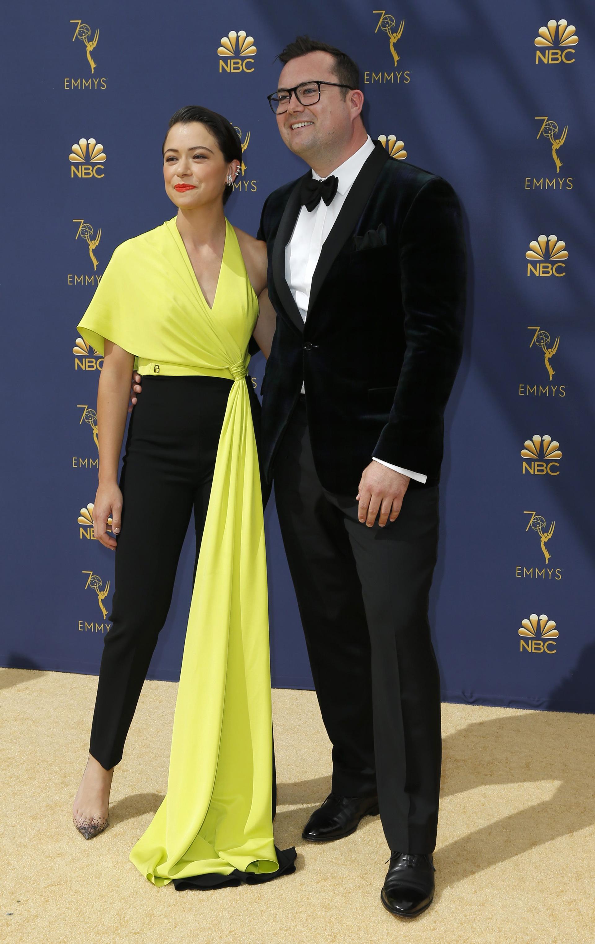 Tatiana Maslany y Kristian Bruun.