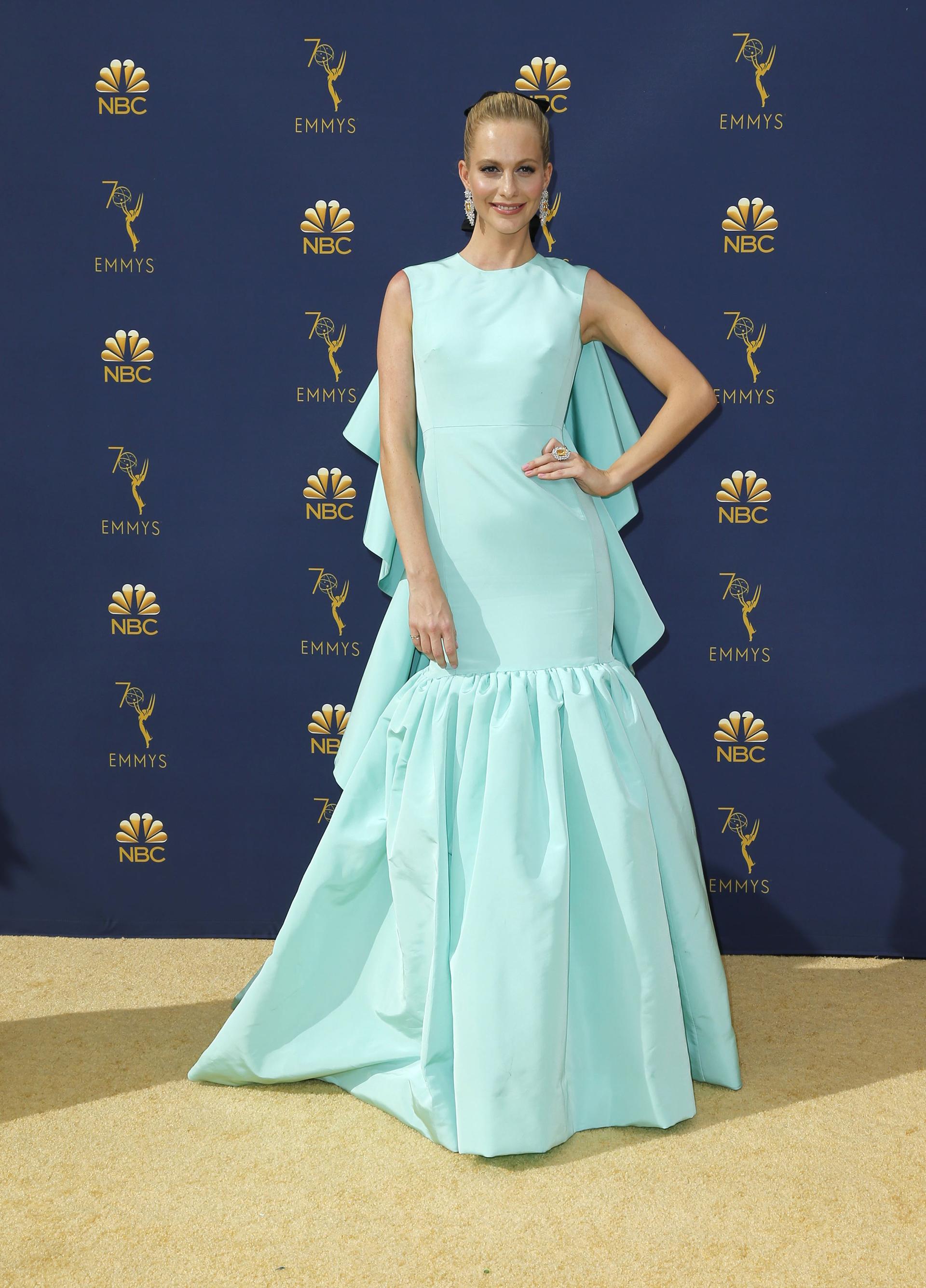 Poppy Delevingne, vestida por la exclusiva firma Giambattista Valli