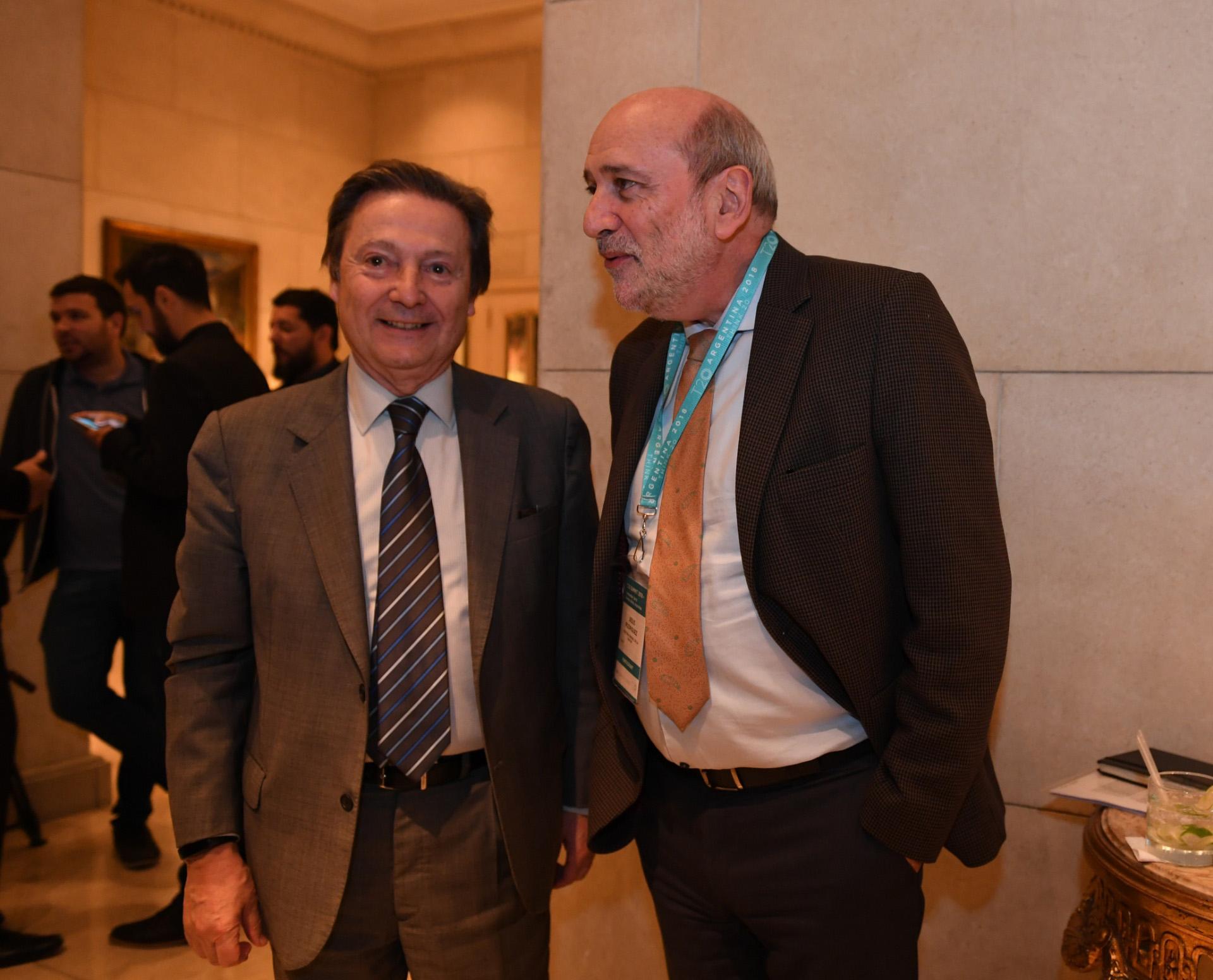 José María Lladós, director ejecutivo del CARI, junto a Jesús Rodríguez. (Maximiliano Luna)