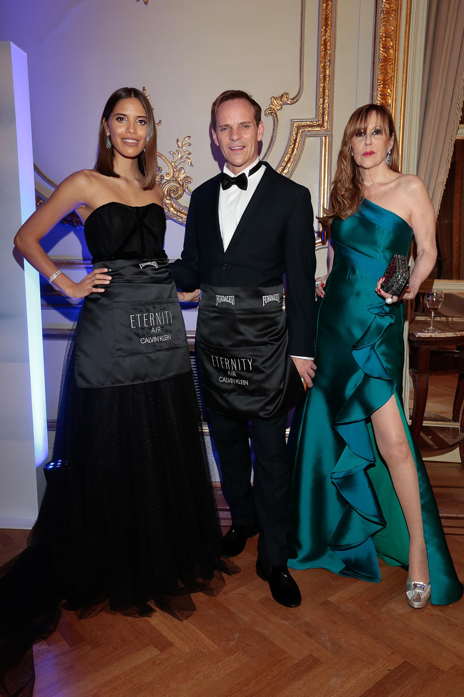 Taina Laurino Ferreira, Thiago Pinheiro y Muñeca Moore
