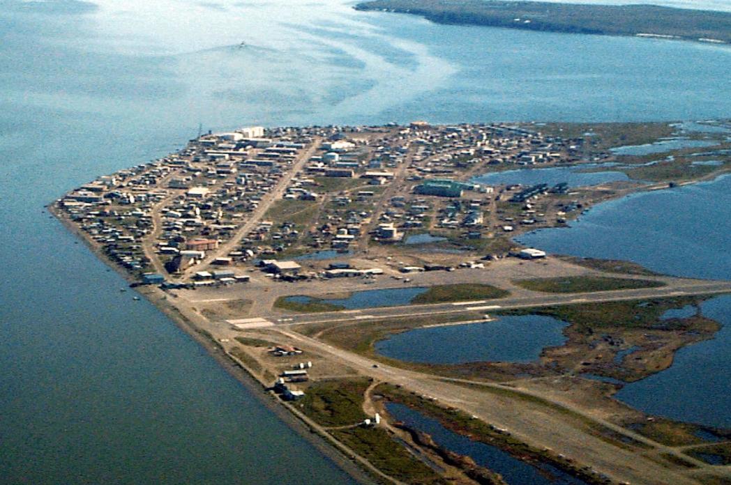 Vista aérea del poblado de Kotzebue, en el norte de Alaska