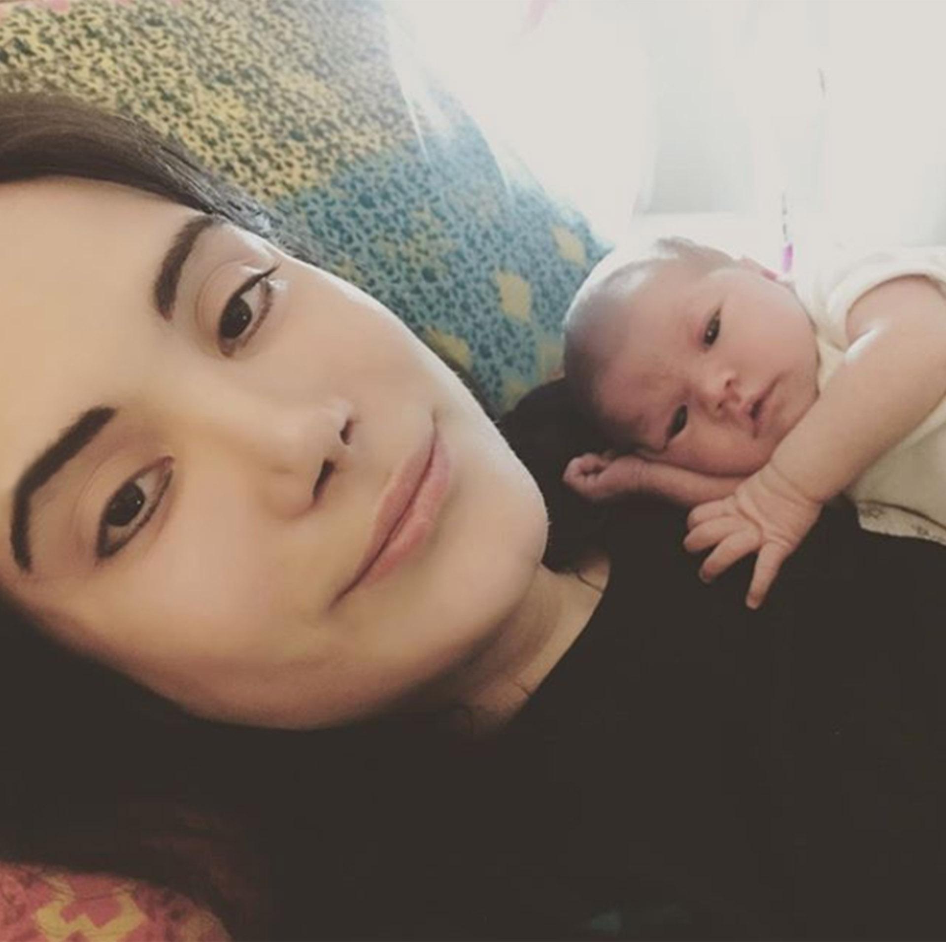 ¿De quién es esa naricita? ¡De papá! Felipe Pettinato presentó a su hija, Michaela, a una semana de su nacimiento. ¡Y es una belleza! (Instagram)