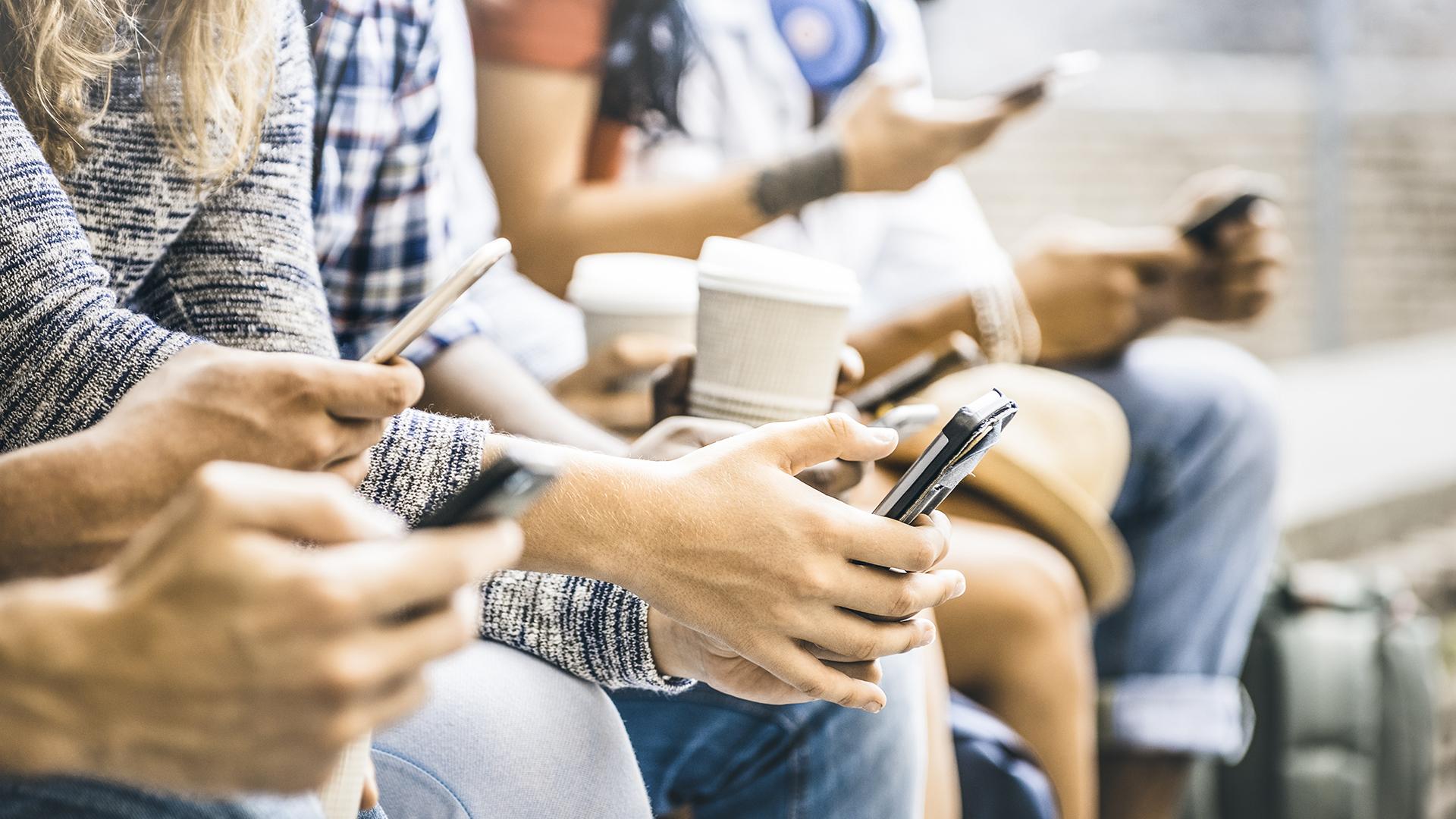 Según el estudio de CACE crecieron las compras a través de teléfonos (Getty Images)