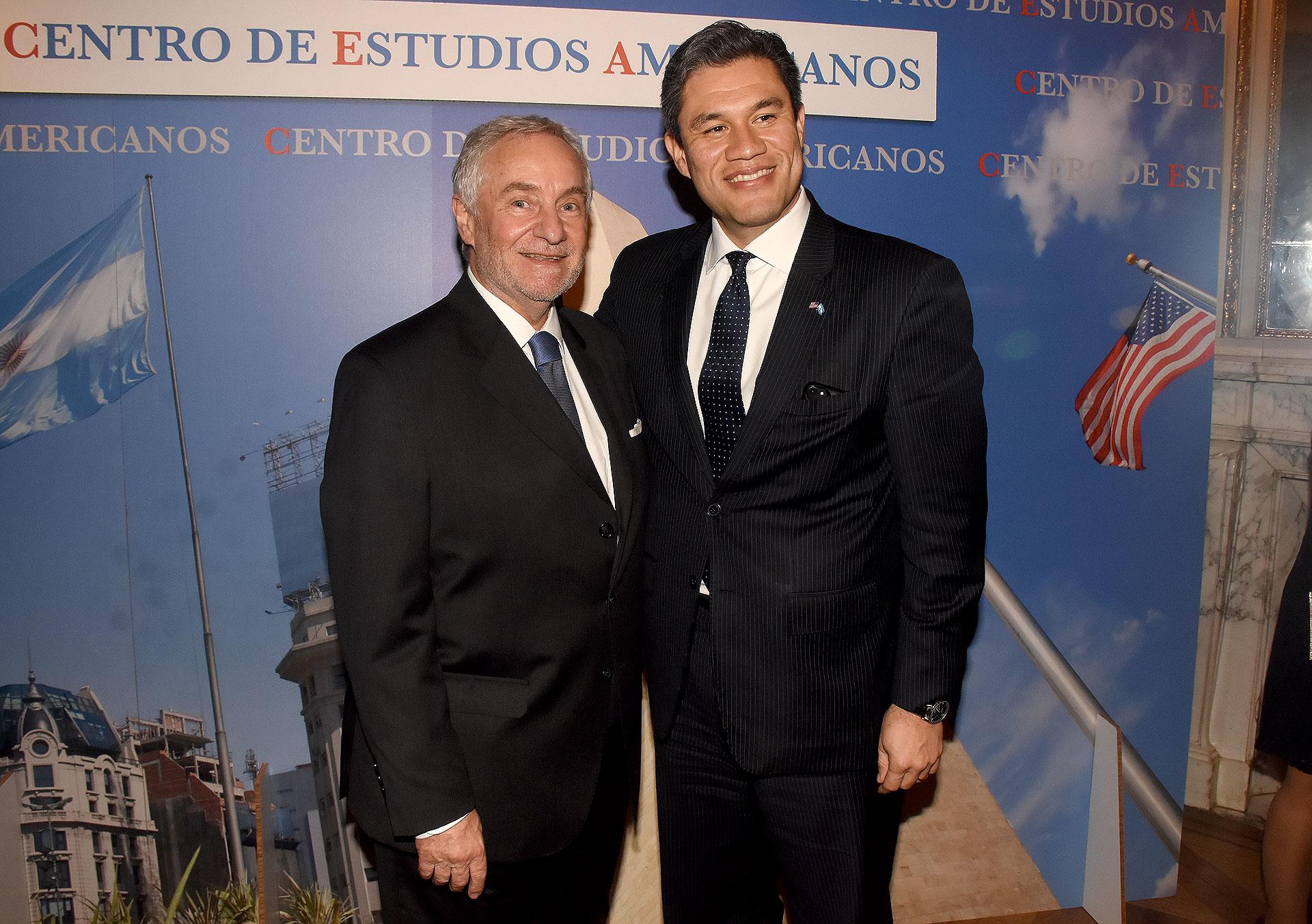 Luis Savino y Silvio González, consejero de Asuntos Públicos de la Embajada de los Estados Unidos en la Argentina