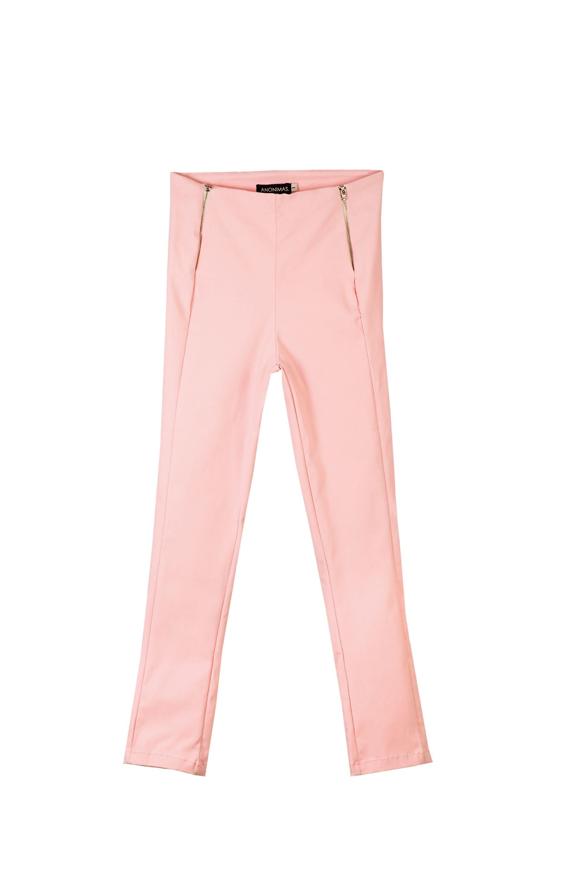 Pantalón chupín con cierres ($ 2.756, Anónimas)