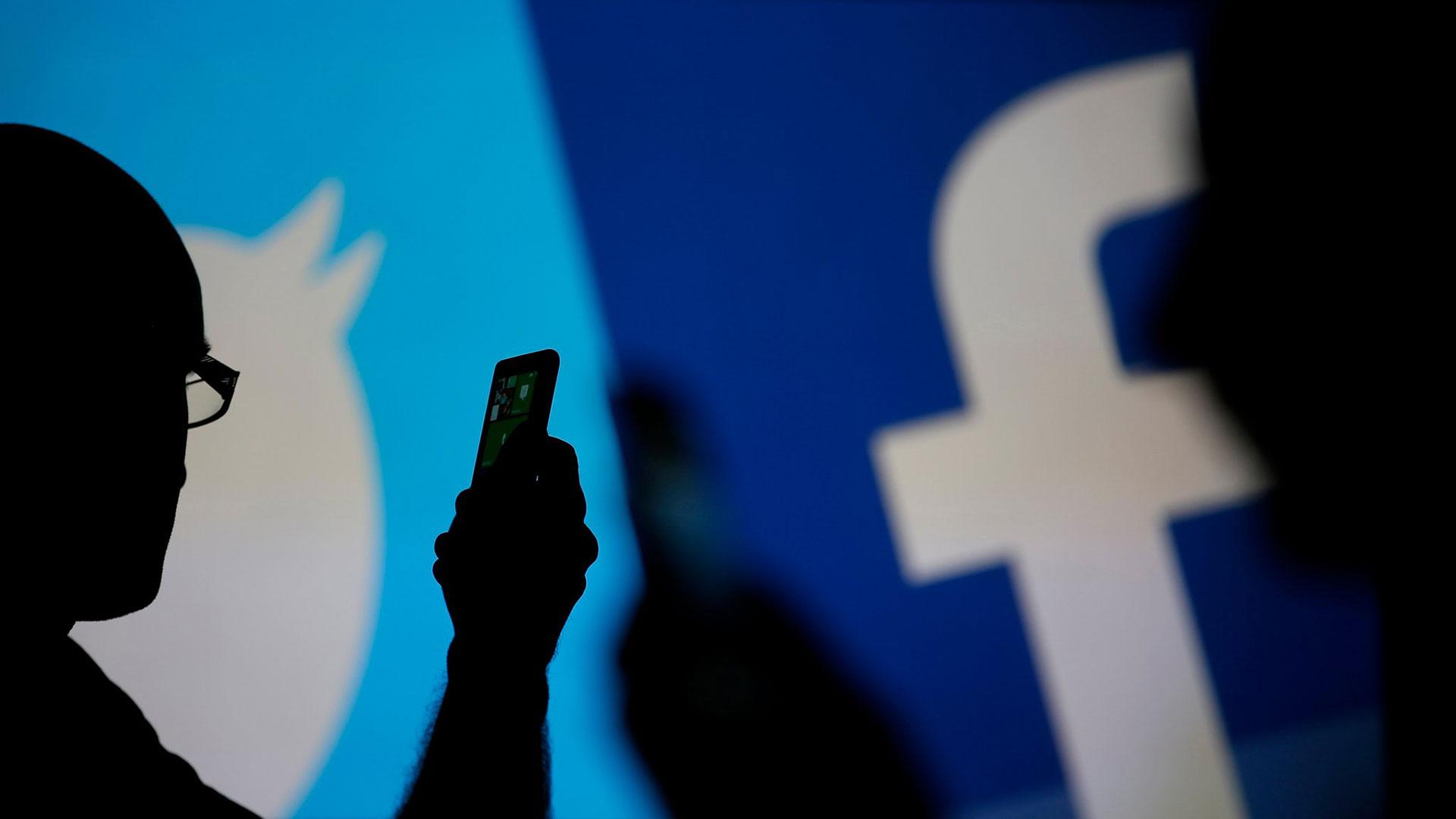 En Silicón Valley cuestionan si las redes sociales tienen un efecto positivo en la sociedad.