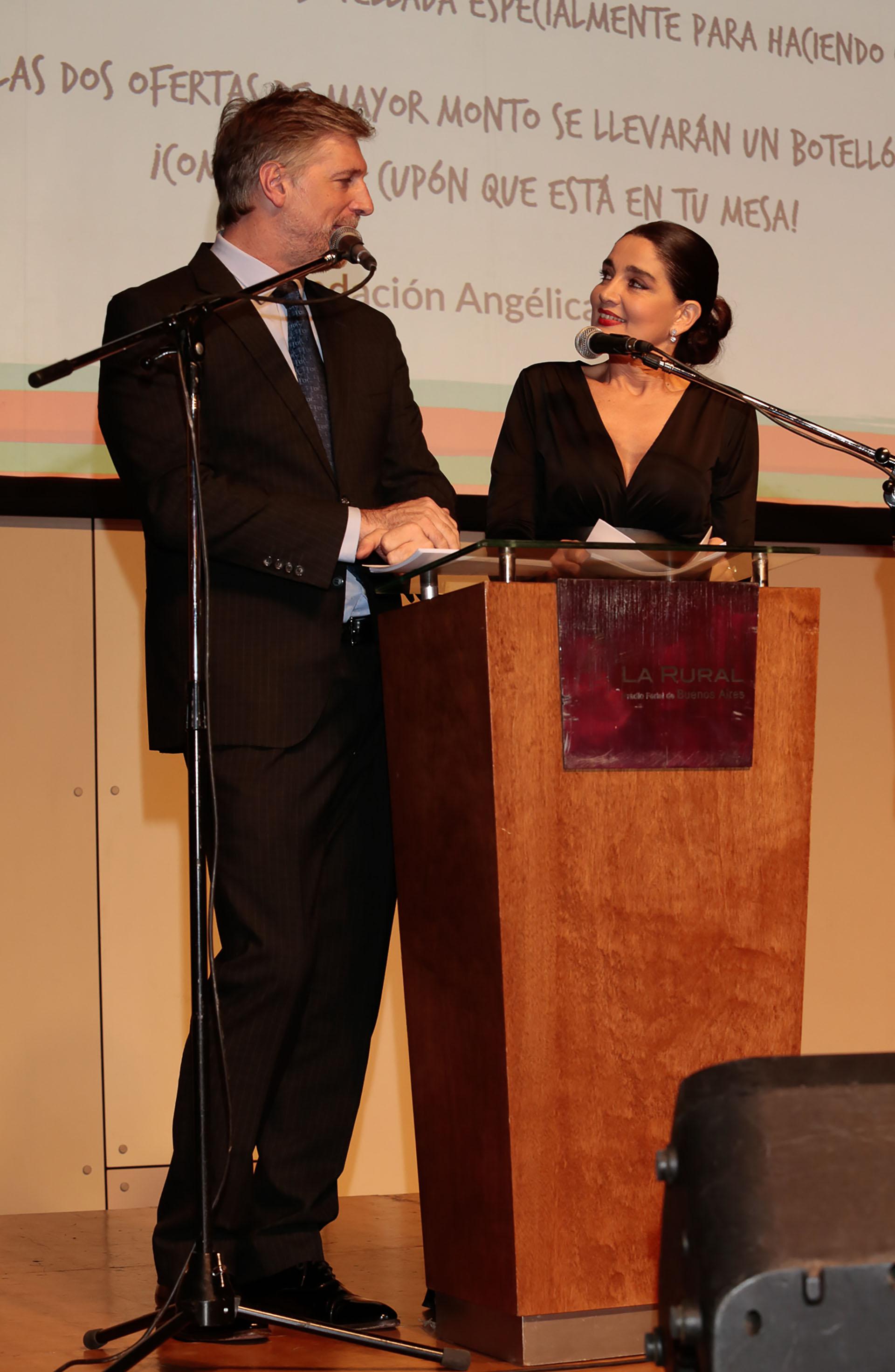 La conducción estuvo a cargo de Verónica Varano y Horacio Cabak
