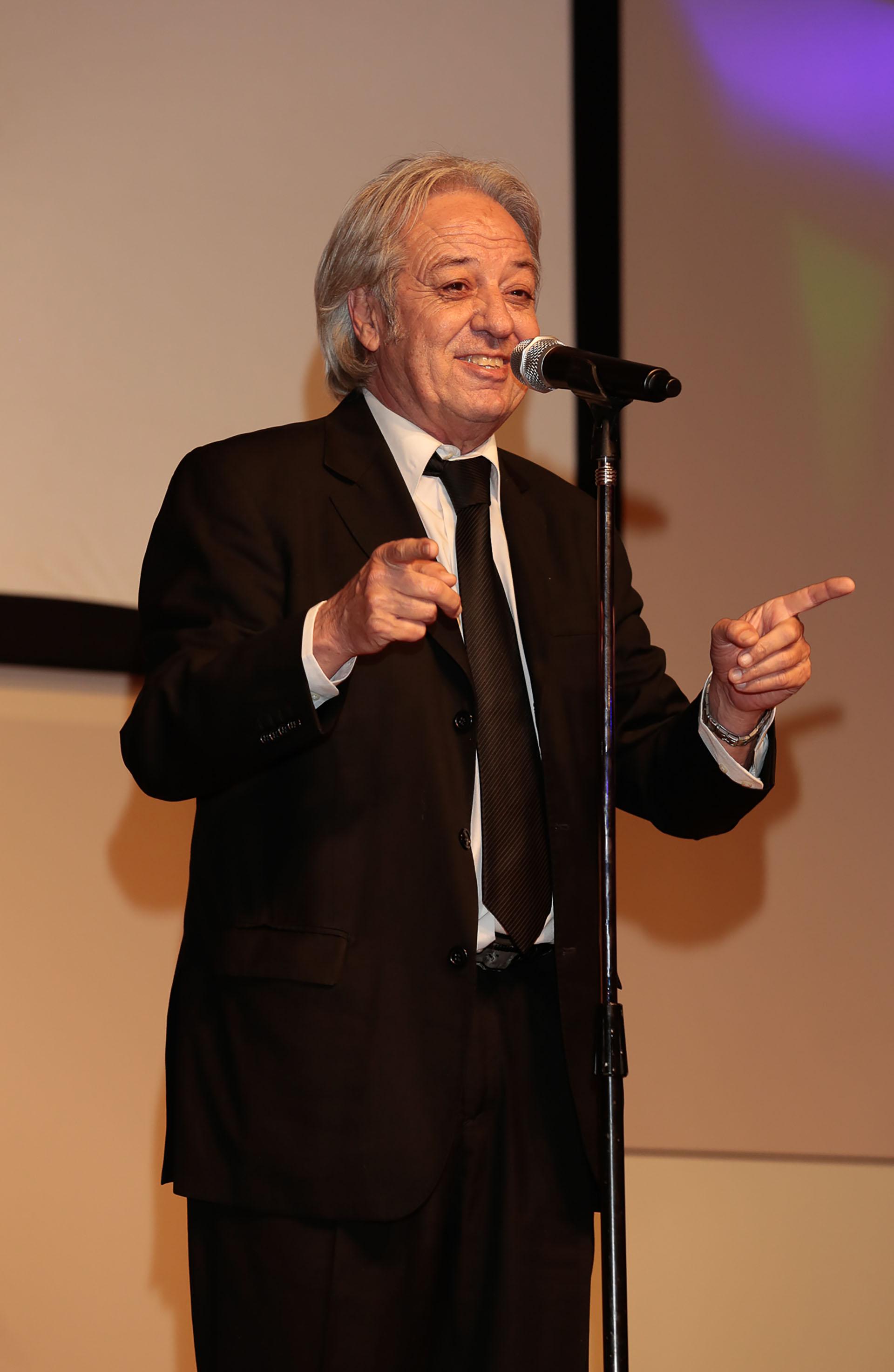 Donald McCluskey en pleno show