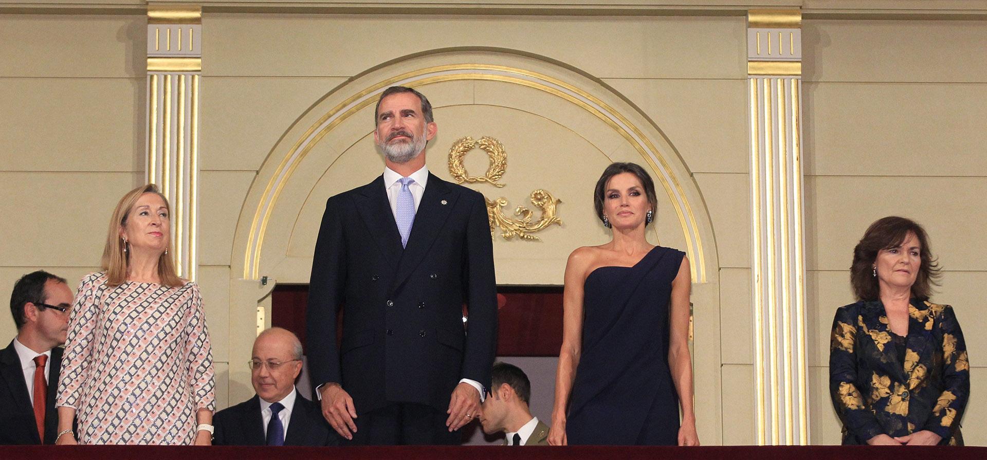 Felipe y Letizia de España durante la inauguración de la temporada del Teatro Real, en Madrid