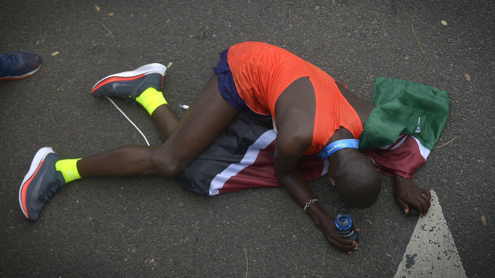 Entre la mujeres también prevaleció la supremacía keniata, con la victoria y récord (2h29m04) de Vivian Jerono Kiplabat