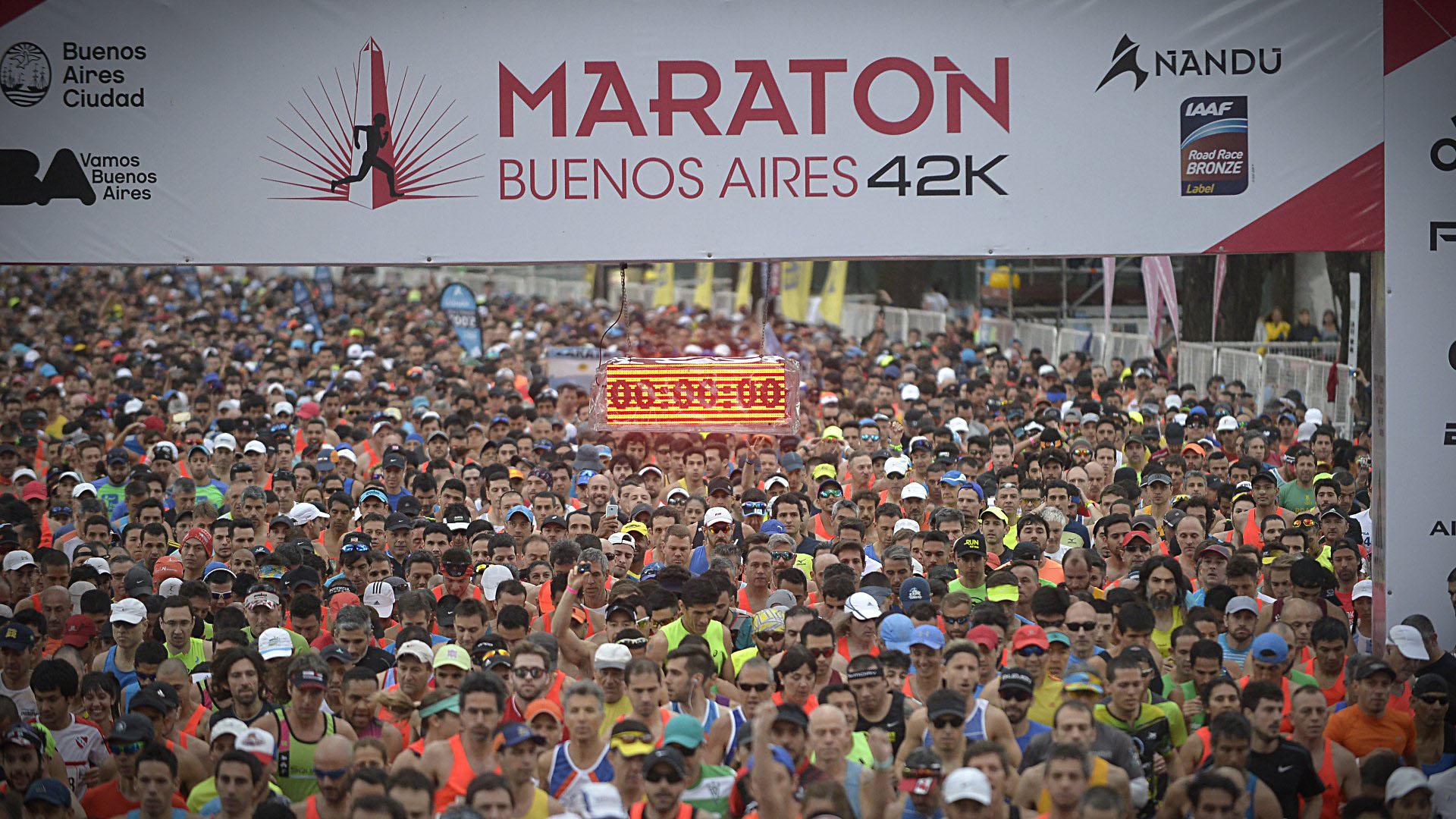 Desde Núñez hasta La Boca, la Ciudad se tiño de color y recibió a las multitudes de atletas locales e internacionales por la Maratón de Buenos Aires