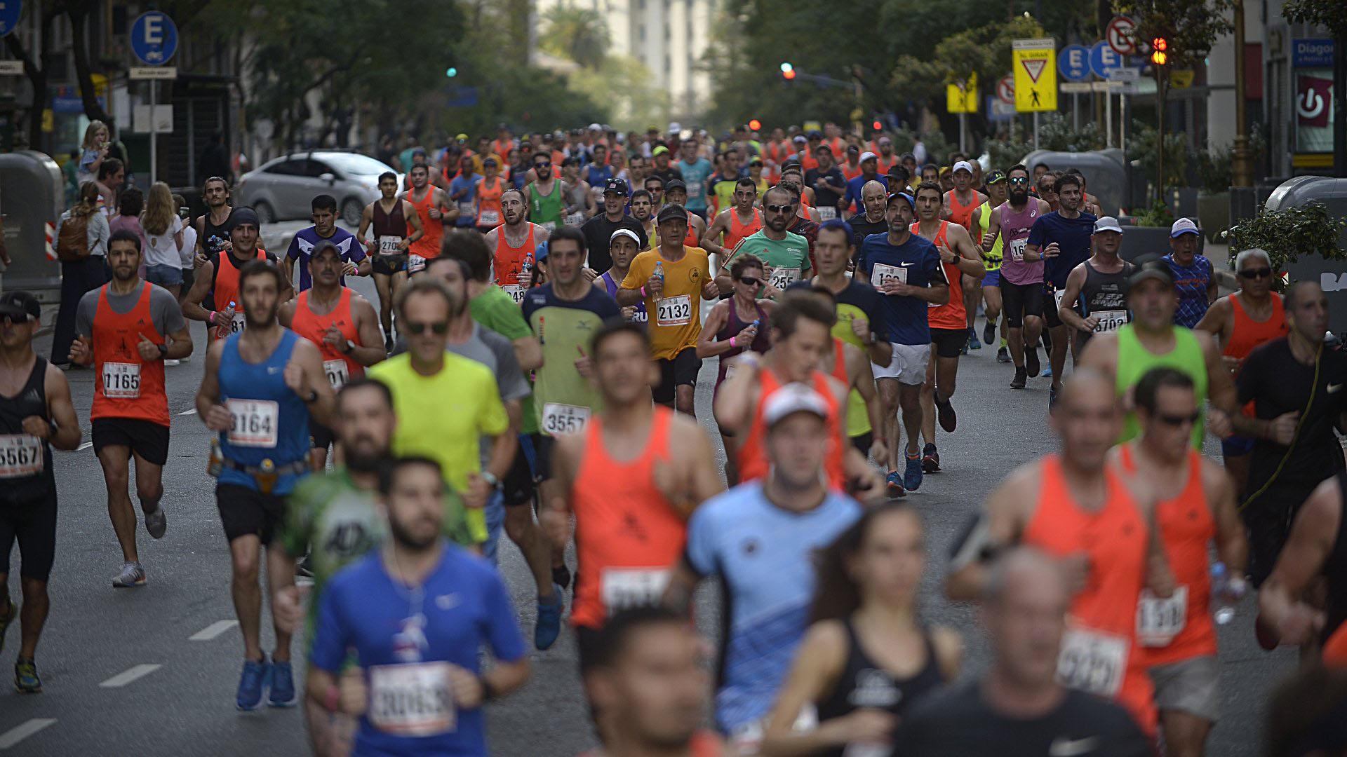 Tal como sucedió en la reciente media maratón, esta carrera fue cardioprotegida, contando con un sistema que incluyó por ejemplo 12 ambulancias, 60 voluntarios y 71 desfibriladores distribuidos a lo largo del circuito