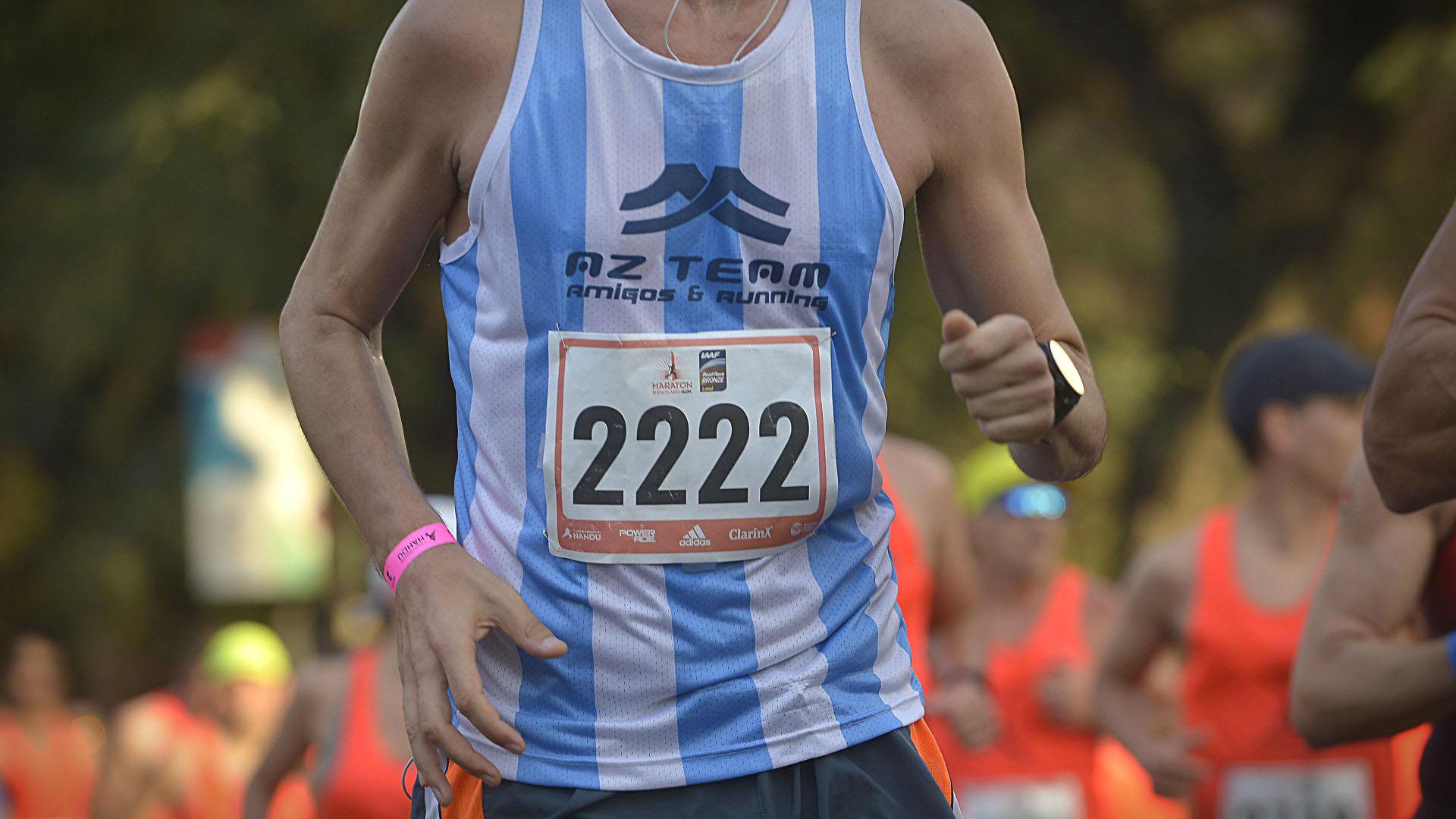 Entre los aficionados, no faltaron los equipos de running, habiendo llegado también delegaciones extranjeras