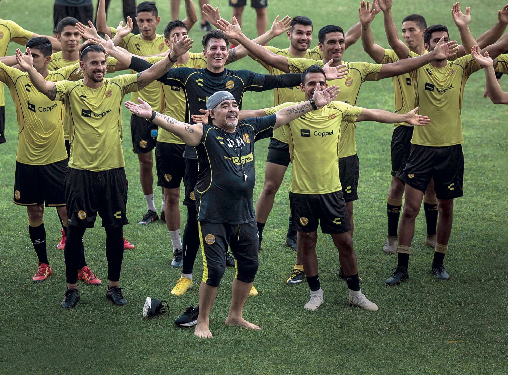 Maradona sacó de su mala racha al conjunto Sinaloense. / AFP PHOTO / RASHIDE FRIAS