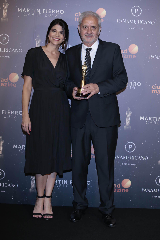 Resultado de imagen para premios martin fierro de cable oscar gomez castañon