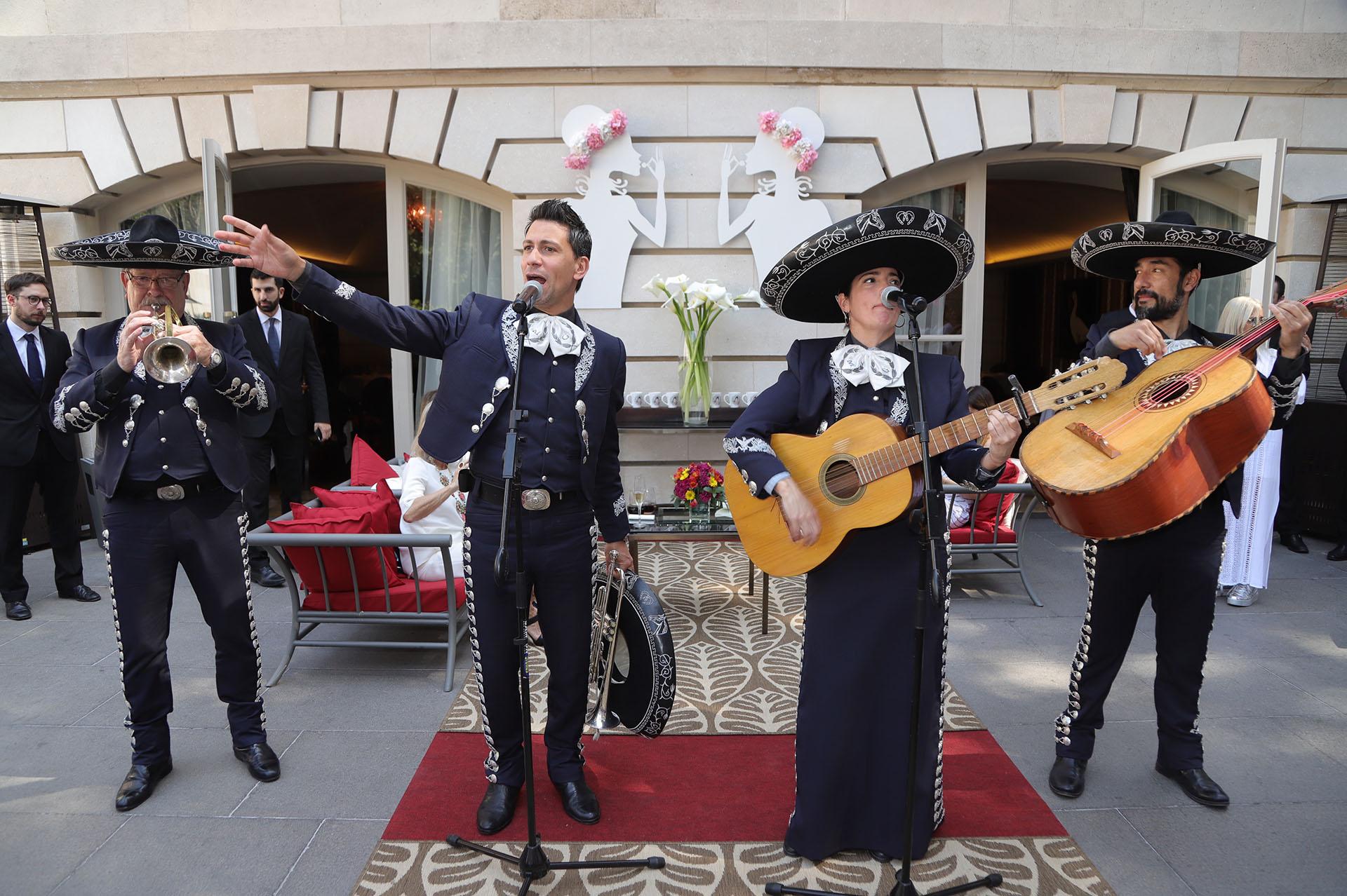 Los mariachis hicieron bailar a los invitados