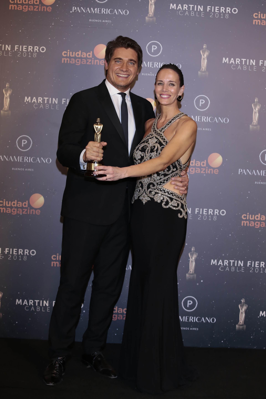 Resultado de imagen para premios martin fierro de cable Carolina Prat y Guillermo Andino