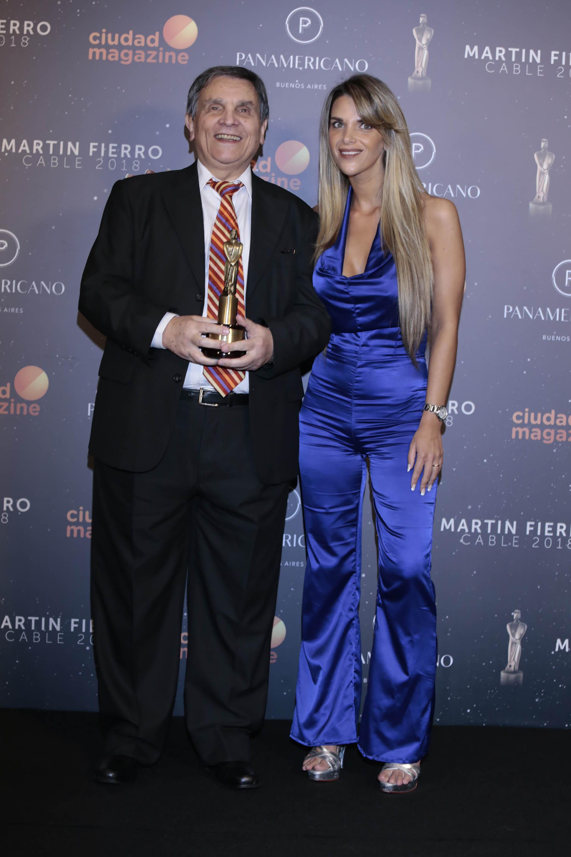 Leonardo Fabre obtuvó el Martín Fierro de cable por su programa de tango, Te sigo queriendo (Argentinísima Satelital)