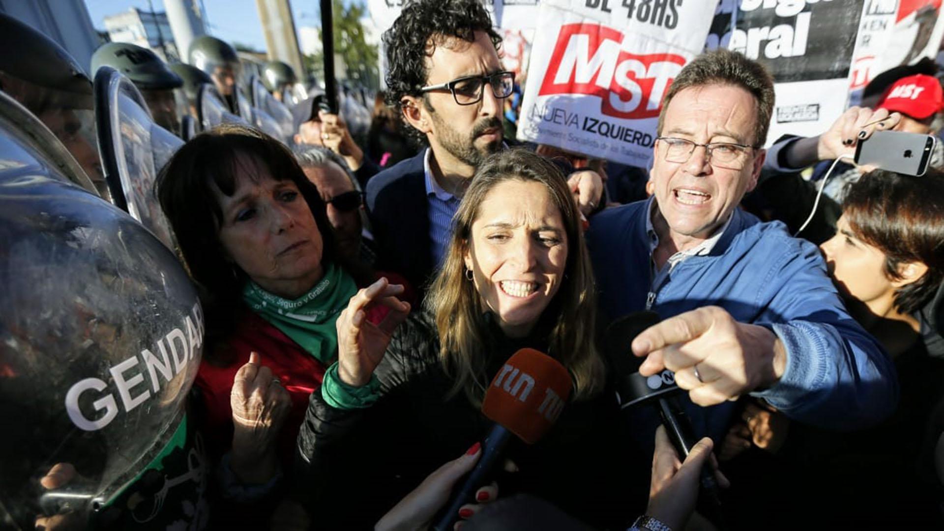Partidos de izquierda convocaron a cortar distintos accesos: en esta foto, Panamericana y 197