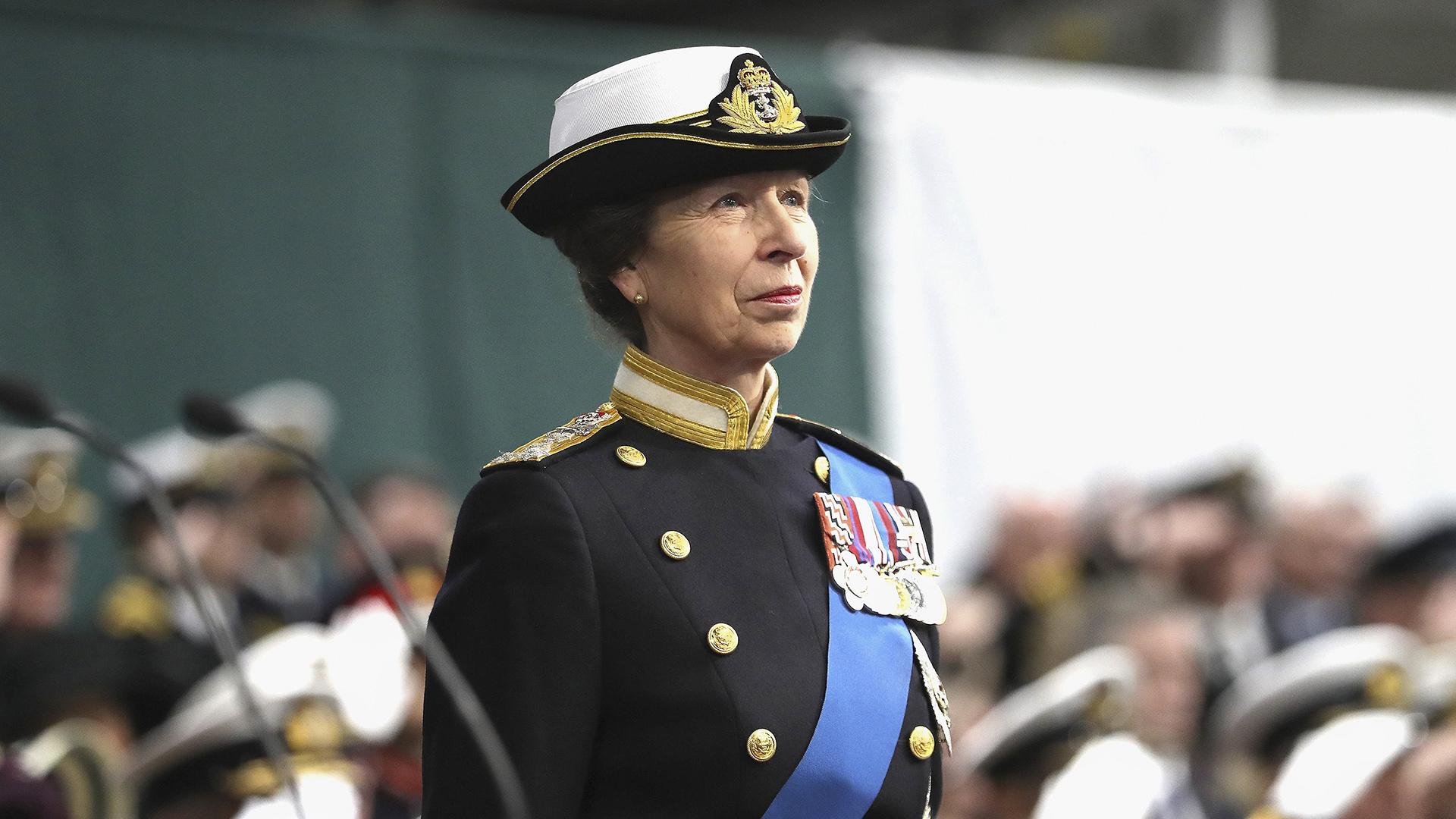 La Hija De La Reina Isabel Revelo Porque No Estrecha La Mano De Quienes La Saludan Infobae