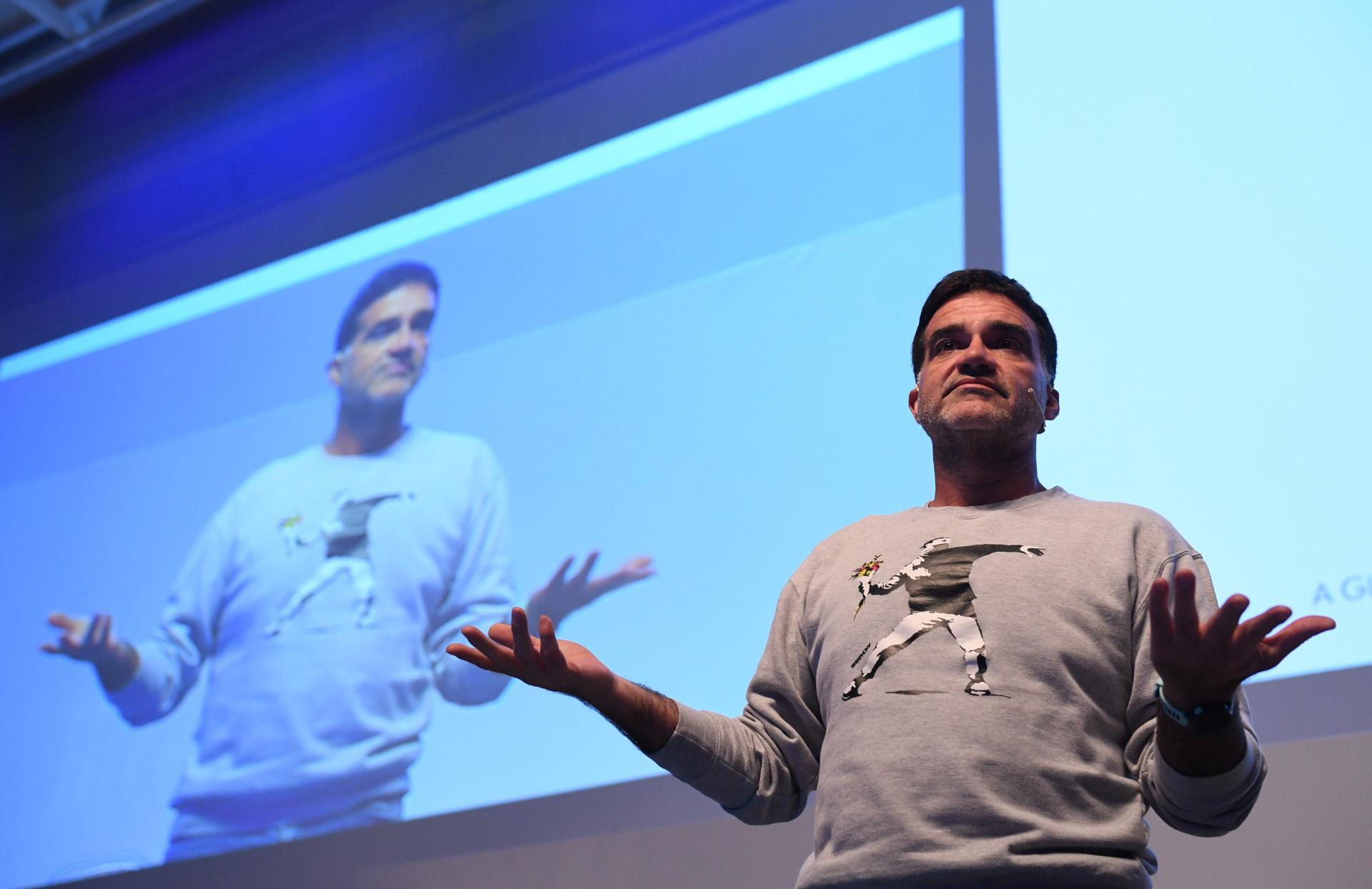 """Valente de O Globo destacó sobre las audiencias: """"Empezamos a hacer ciclos de temas, invitando a personas para hablar sobre temas que pueden inspirar a otros"""""""