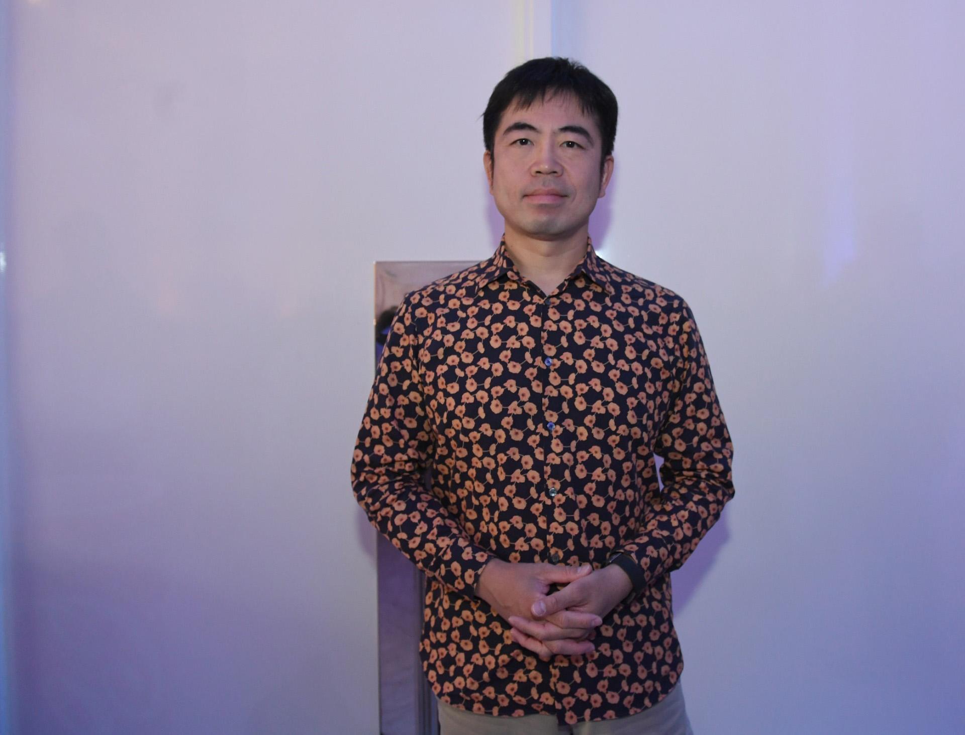 Presente en el FIAP 2018. Yasu Sasaki es cabeza de creatividad digital y director ejecutivo de Dentsu Inc. Tokio. Una compañía verdaderamente innovadora.