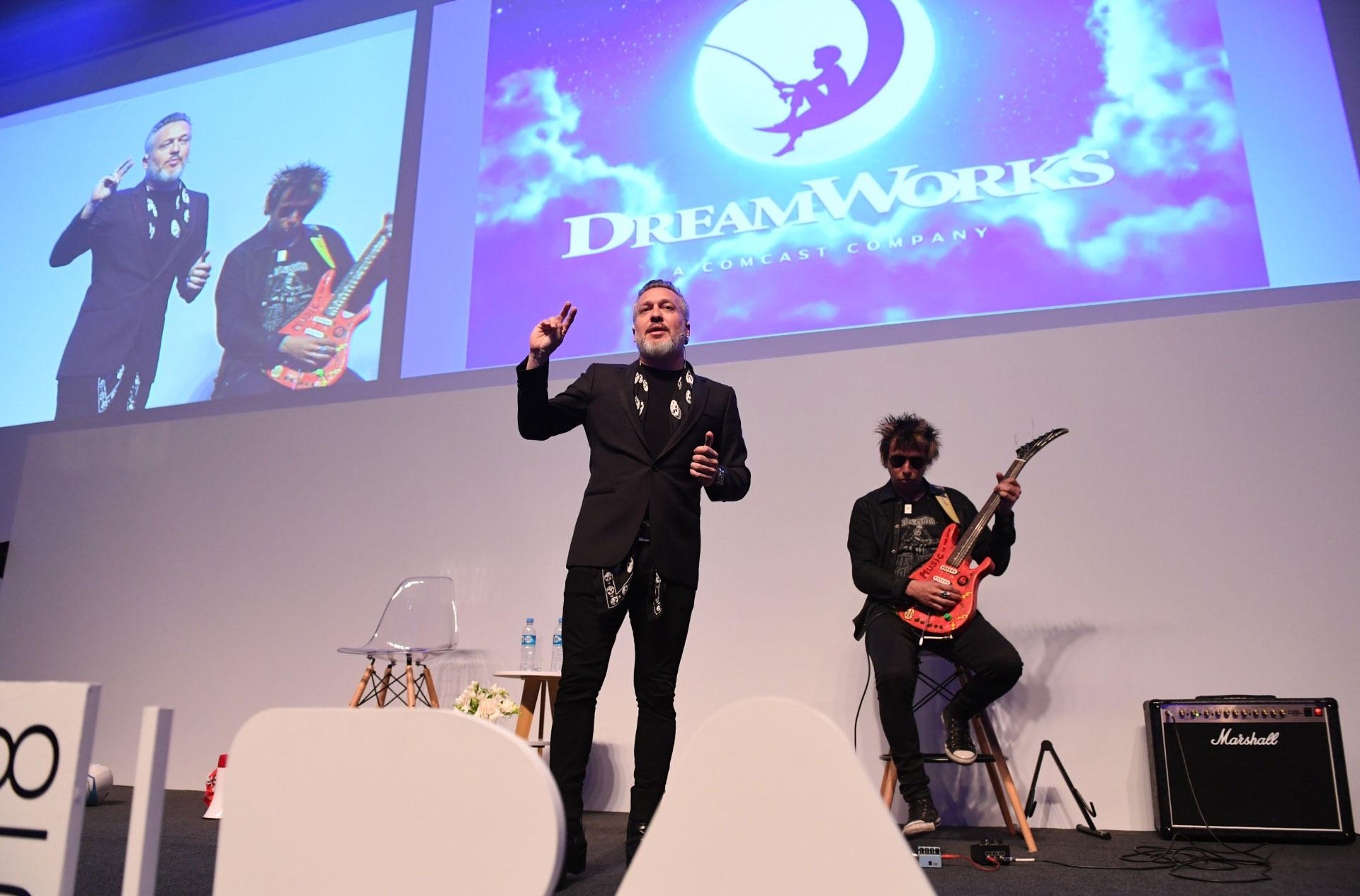 """Diego Kolancowsky a la audiencia FIAP: """"Comprométanse con lo que desean, los sueños funcionan pero tienen que estar atentos, porque la vida es muy corta para esperar"""""""
