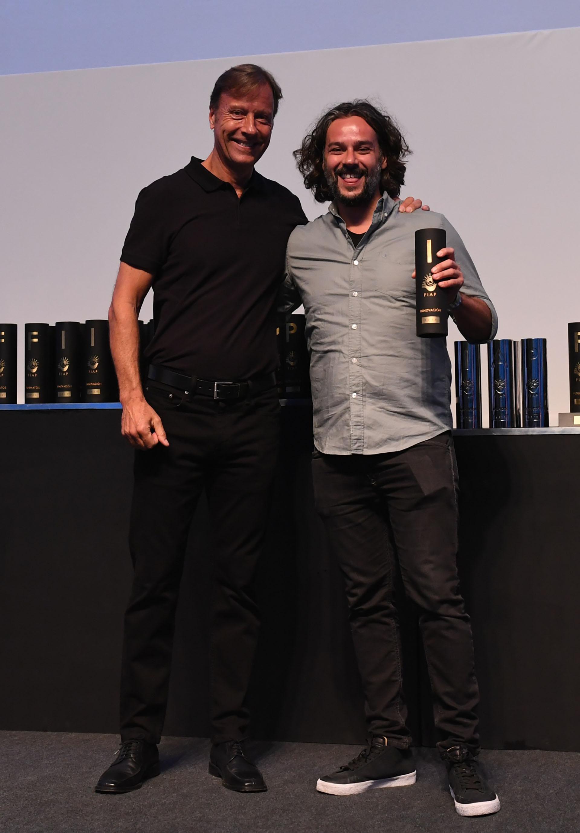 La categoría innovación fue entregada por Daniel Marcet, CEO de FIAP, y Jon Lavin, director creativo ejecutivo de Mccann, ganó una estatuilla