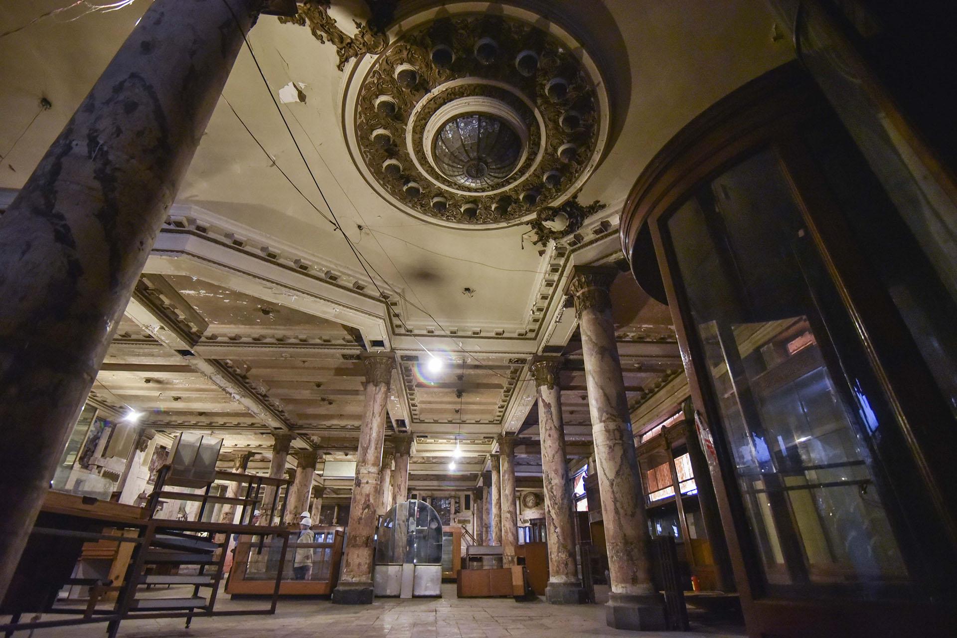 Inaugurada en 1916, El Molino contaba con vitrales, mármoles y detalles únicos en bronce y cristalería