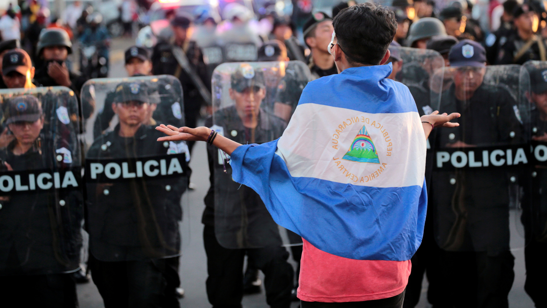 nicaragua protestas bandera