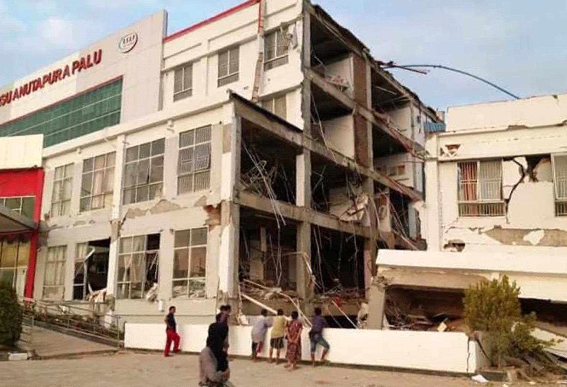 El hospital en Palu quedó destruido.