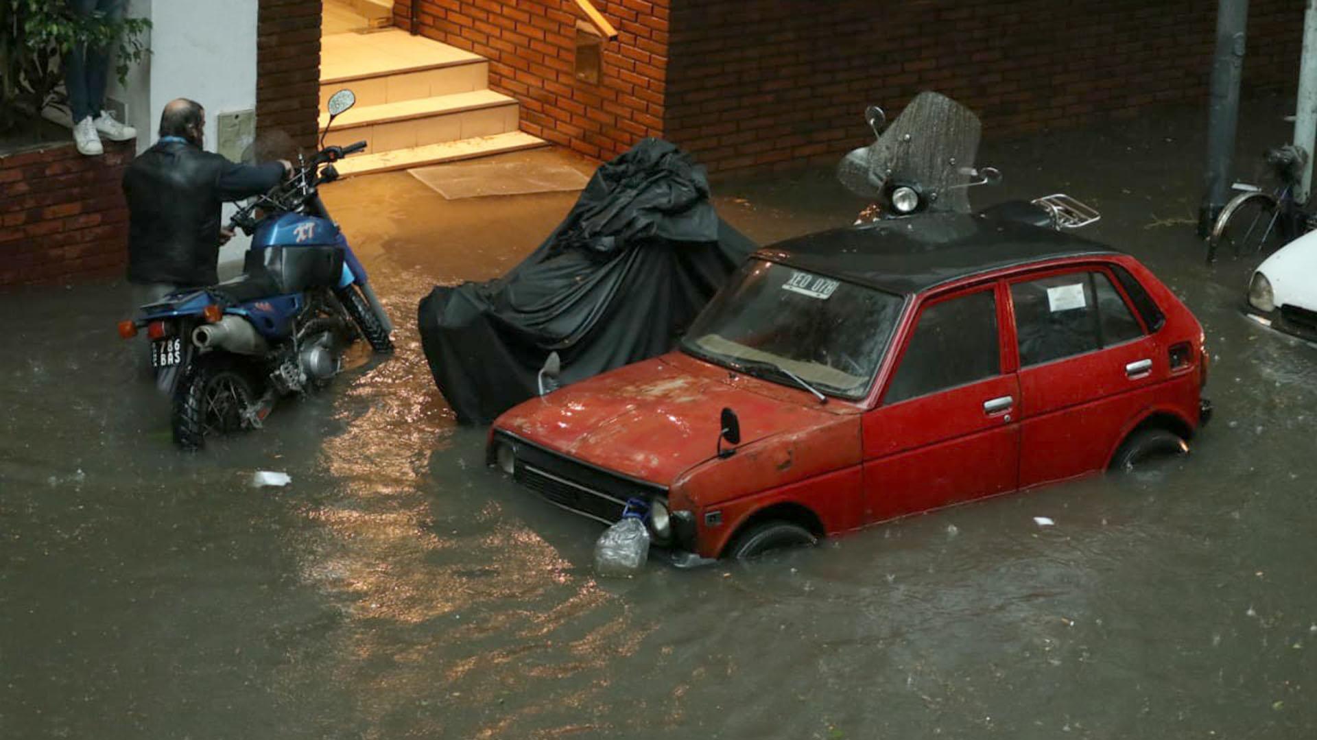 El temporal afectó el suministro eléctrico en algunas zonas. (Joaquín Pedroso)