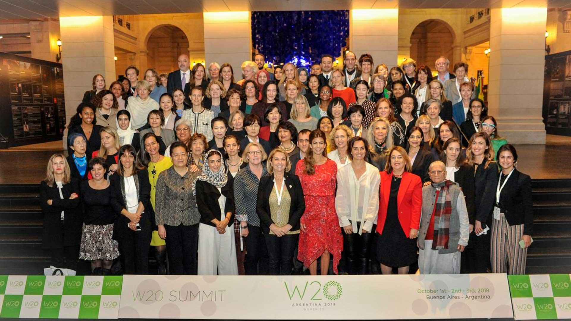 Ayer, en las sesiones cerradas, la primera dama Juliana Awada inauguró la cumbre del W20 en el CCK