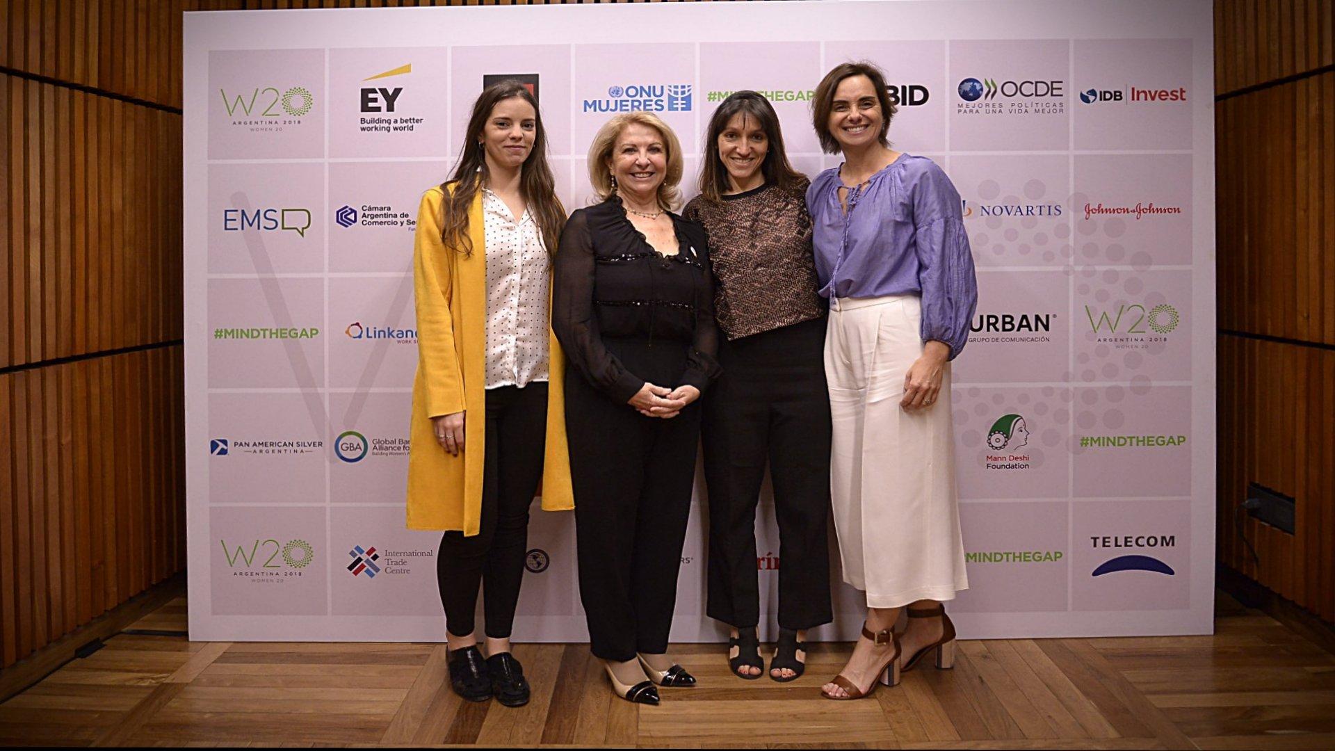 El equipo del W20: la Directora de Asuntos Institucionales, Victoria Marenssi; la chair Susana Balbo, Carolina Villanueva, Directora de Contenidos; y Juliana Bonetto, directora Ejecutiva