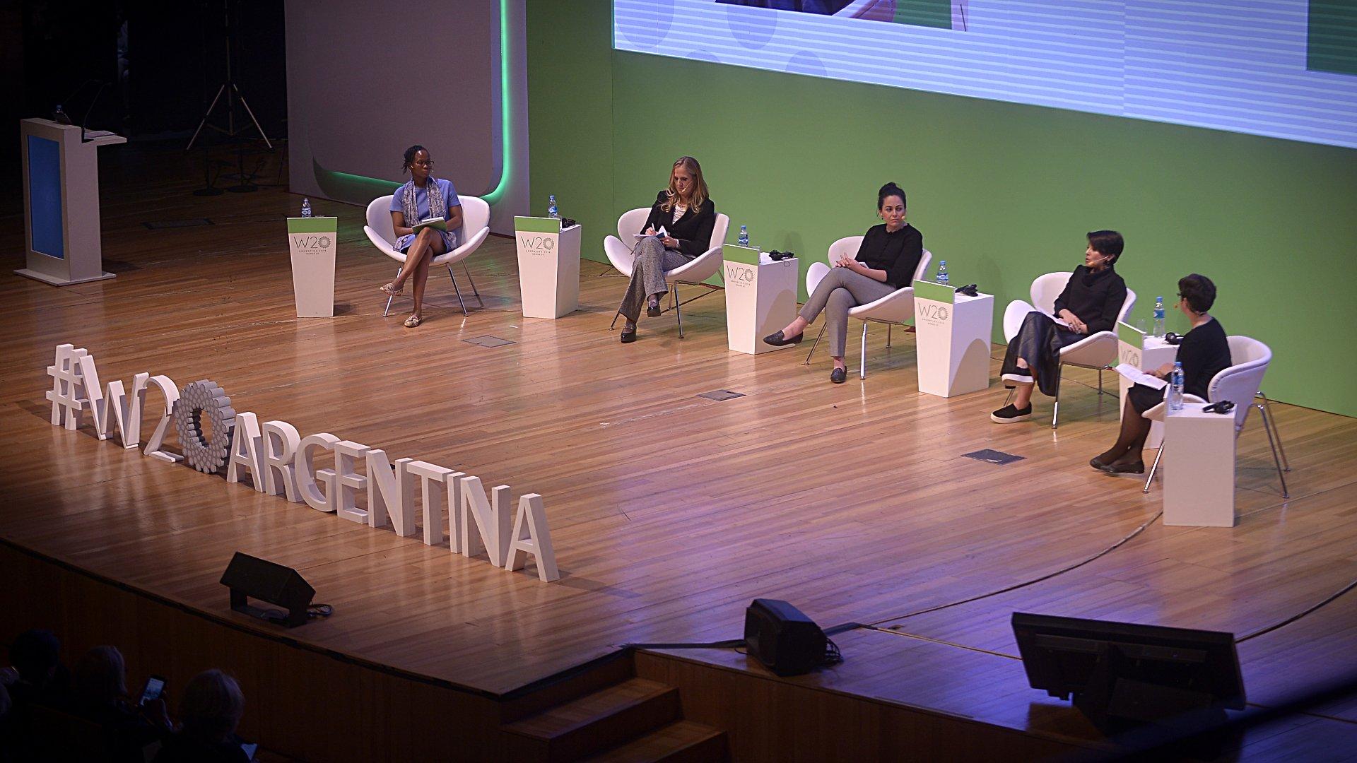 El panel de inclusión digital del W20 (Gustavo Gavotti)