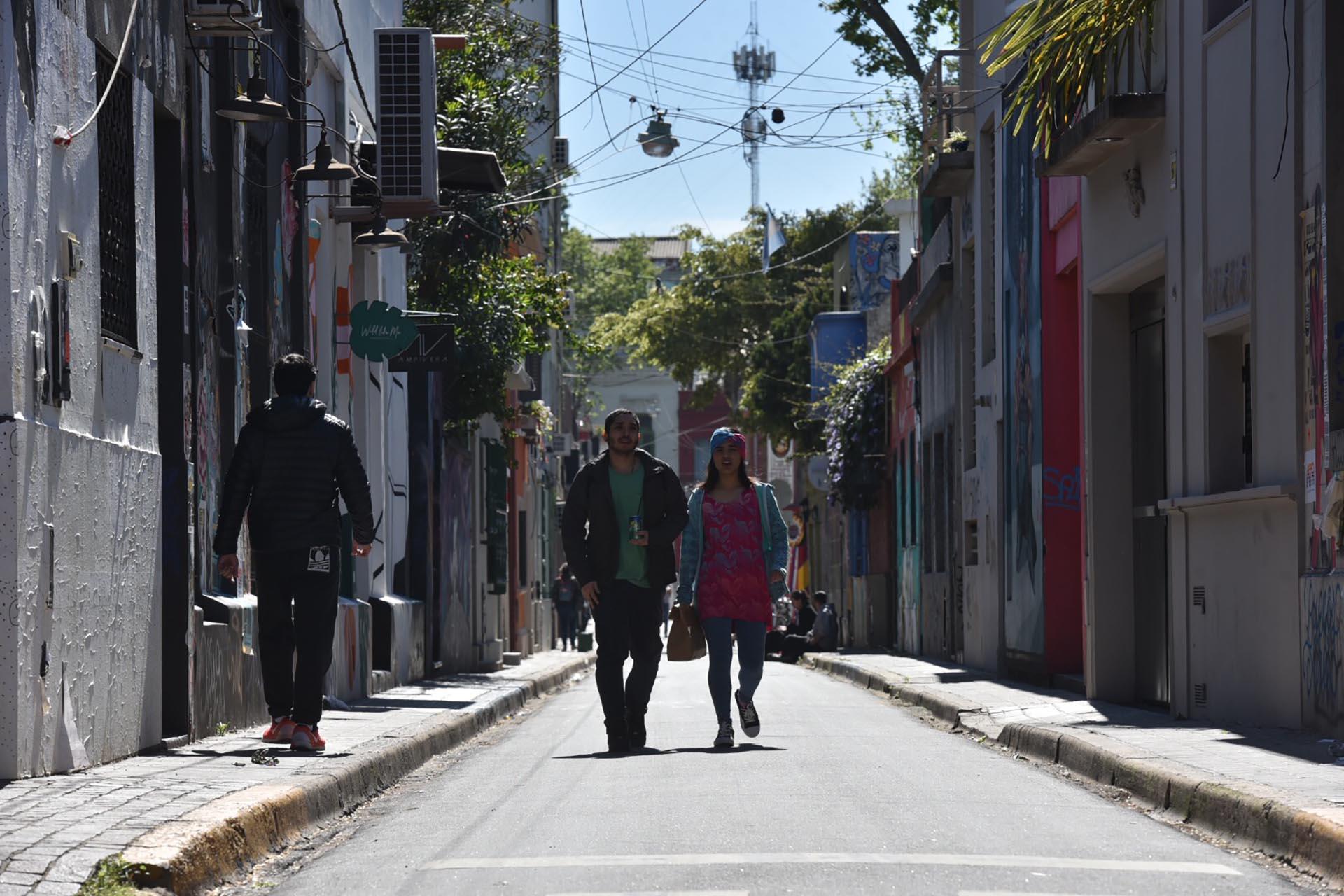 El pasaje se extiende por tres cuadras en uno de los puntos más turísticos de la ciudad: está entre Uriarte y Gurruchaga, y atraviesa Thames y Jorge Luis Borges (Guille Llamos)