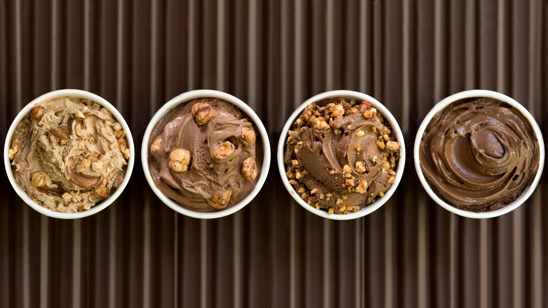 Comer helado no está mal, pero no en exceso. Estos contienen mucha azúcar y colorantes