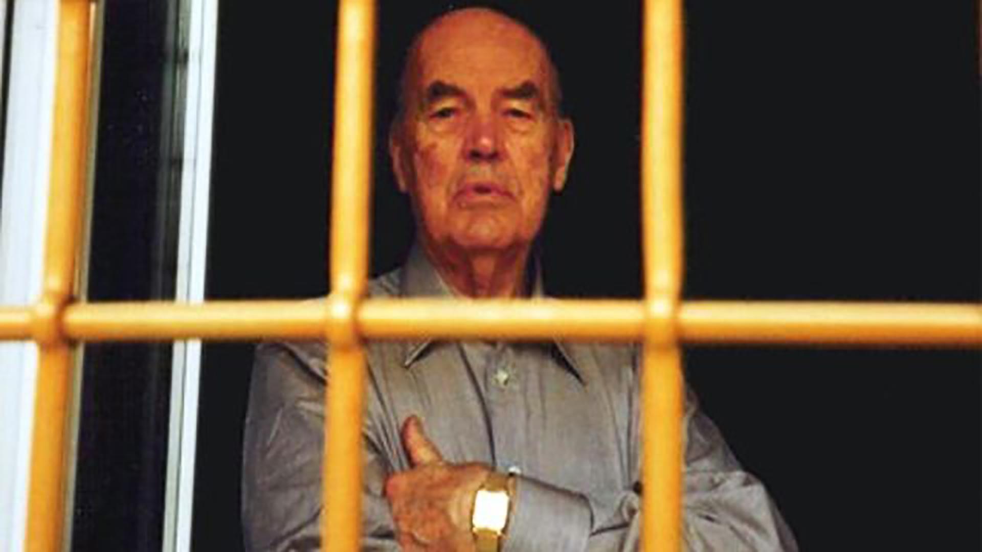 Erich Priebke, uno de los nazis responsables por la matanza de las Fosas Ardeatinas, vivió durante años en Bariloche