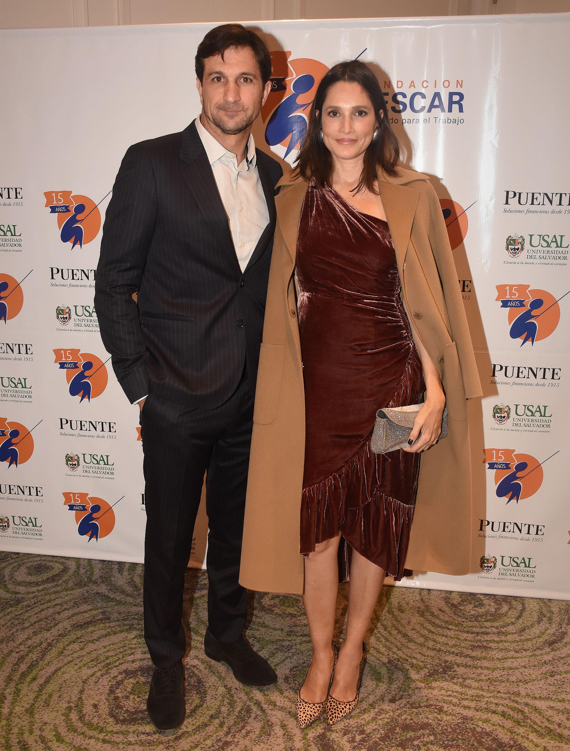 Eduardo Novillo Astrada, presidente de la Asociación Argentina de Polo, y su mujer