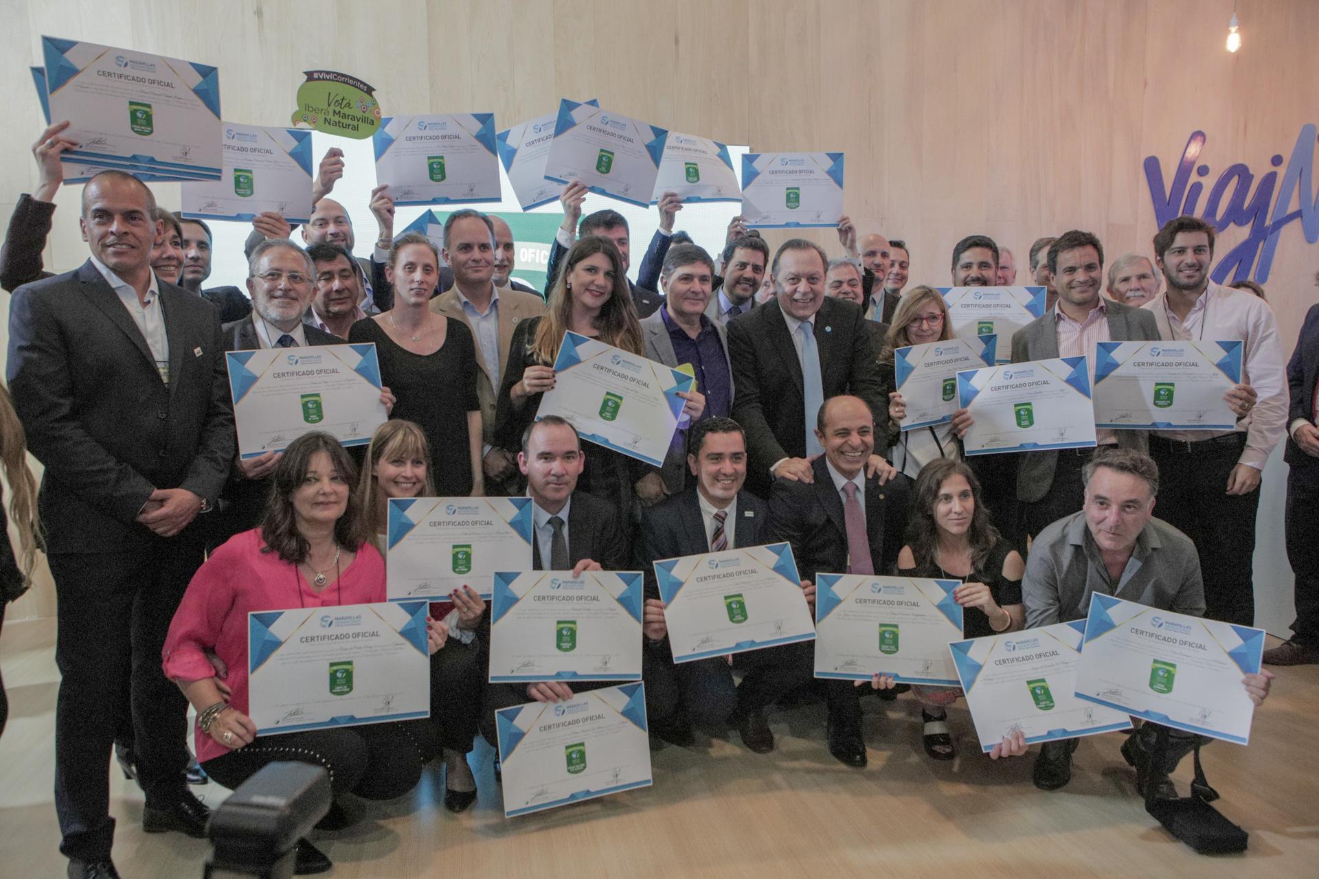 En el stand de Turismo de Nación se entregaron las distinciones a los 28 destinos finalistas de la campaña que elegirá a las 7 Maravillas Naturales de Argentina, organizado por la Fundación 7 New Wonders. Hay tiempo para votar hasta el 7 de abril, en www.7mar.com.ar