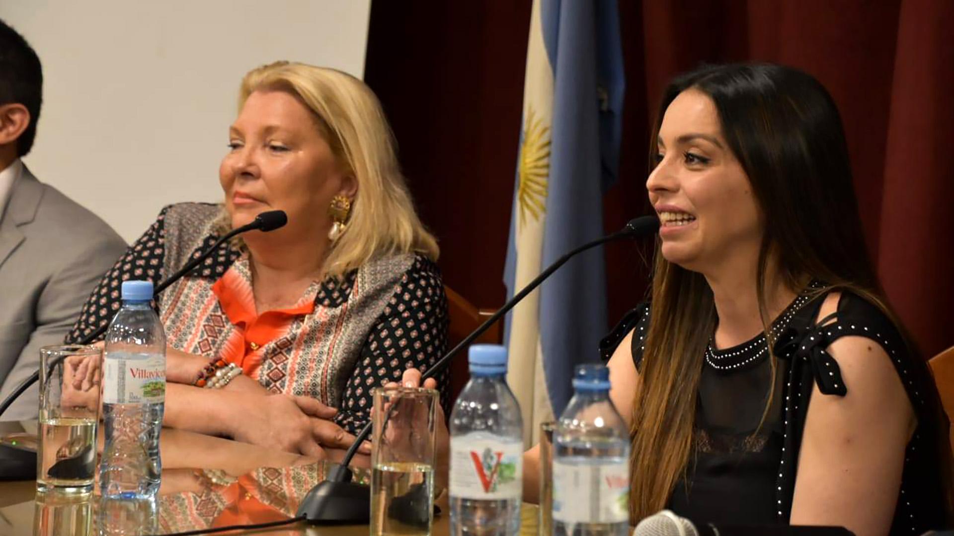 Elisa Carrió durante la presentación del libro de Mariana Zuvic, donde apuntó contra Angelici